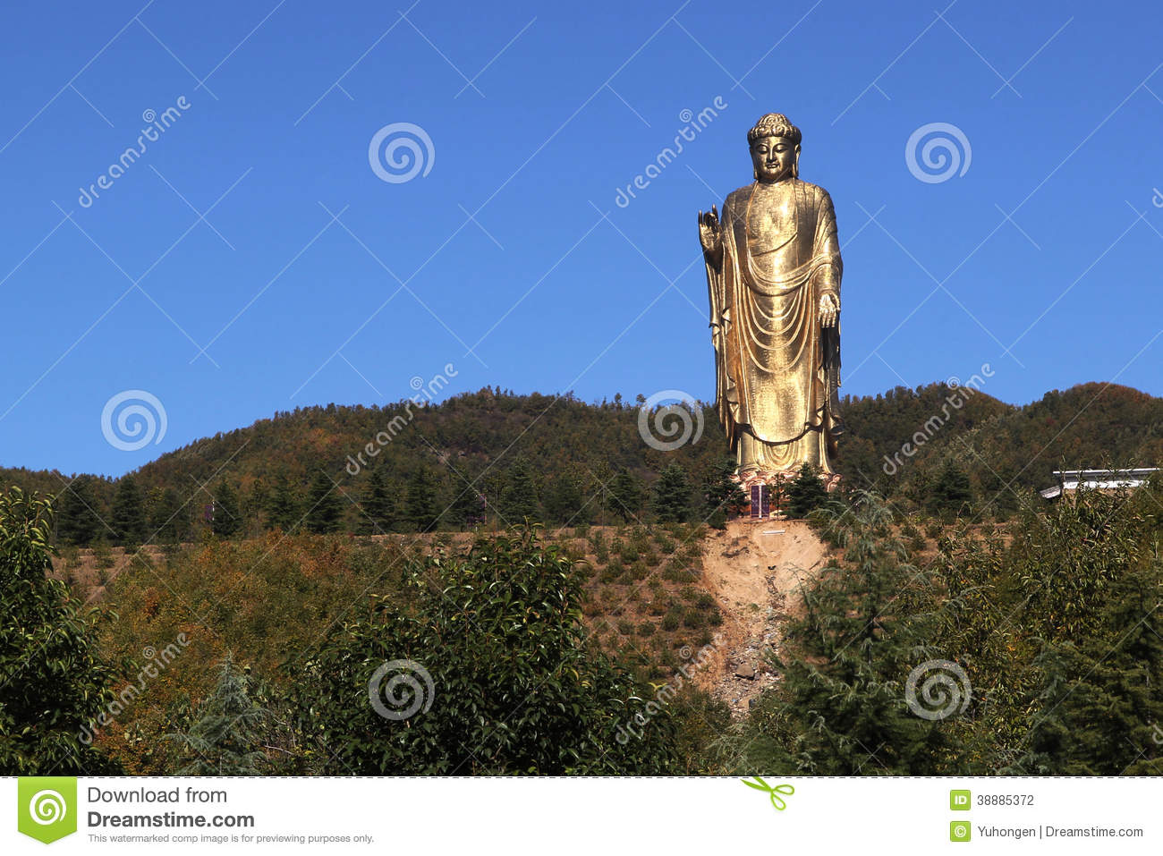 Pingdingshan China  city pictures gallery : China Pingdingshan, Zhongyuan Buddha, located in Lushan Mountain ...