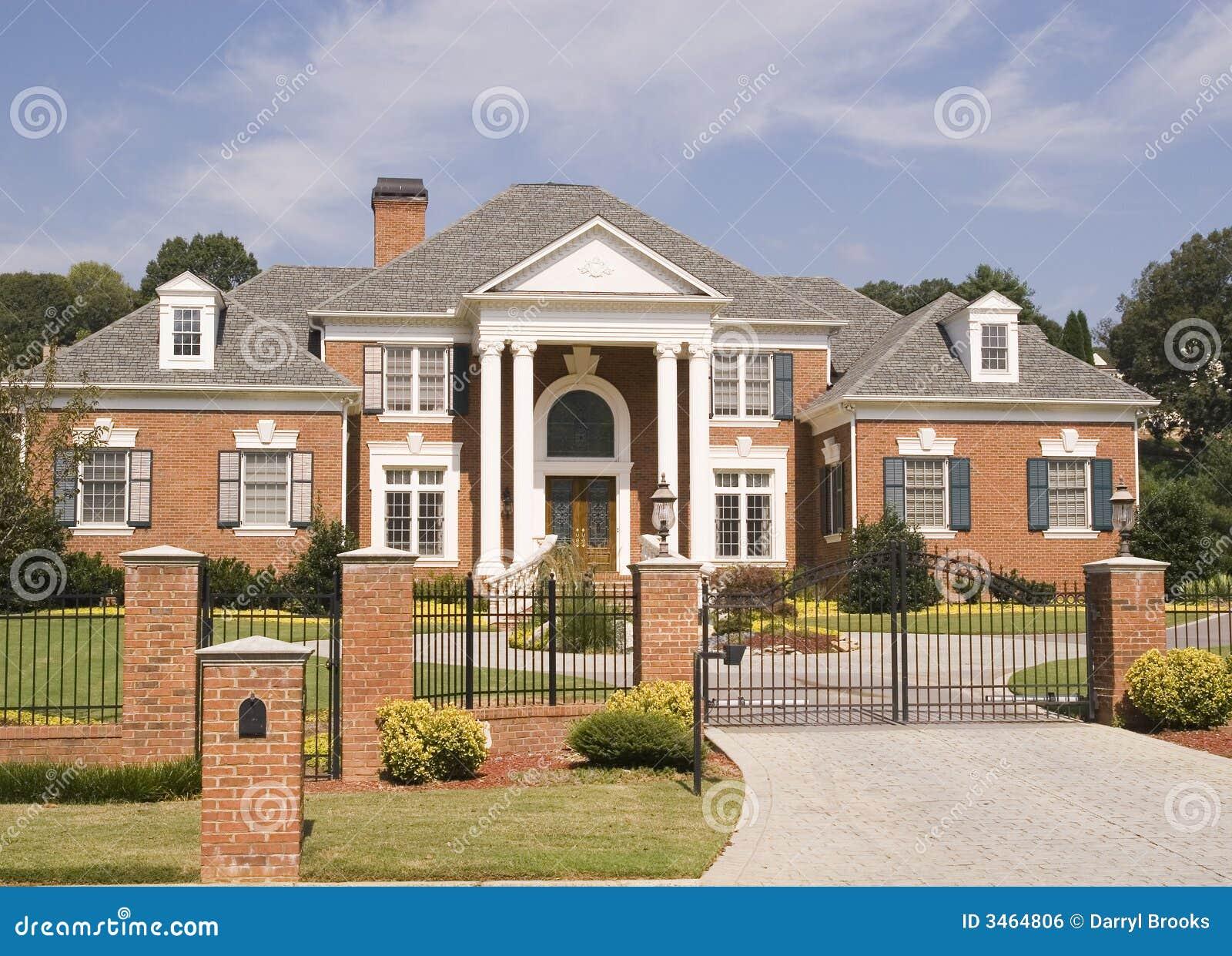 ziegelstein haus eisen zaun stockfoto bild von zustand ziegelstein 3464806. Black Bedroom Furniture Sets. Home Design Ideas