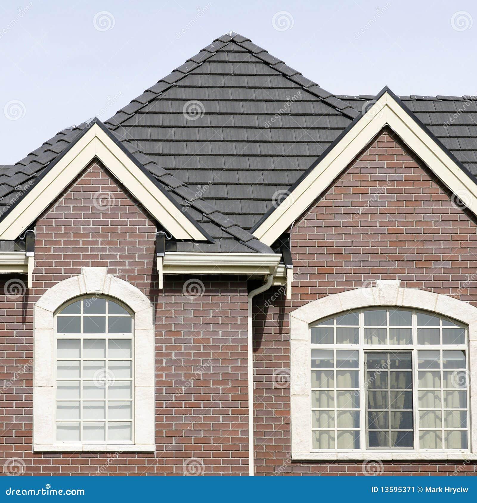 ziegelstein haus fliese dach stockbild bild 13595371. Black Bedroom Furniture Sets. Home Design Ideas