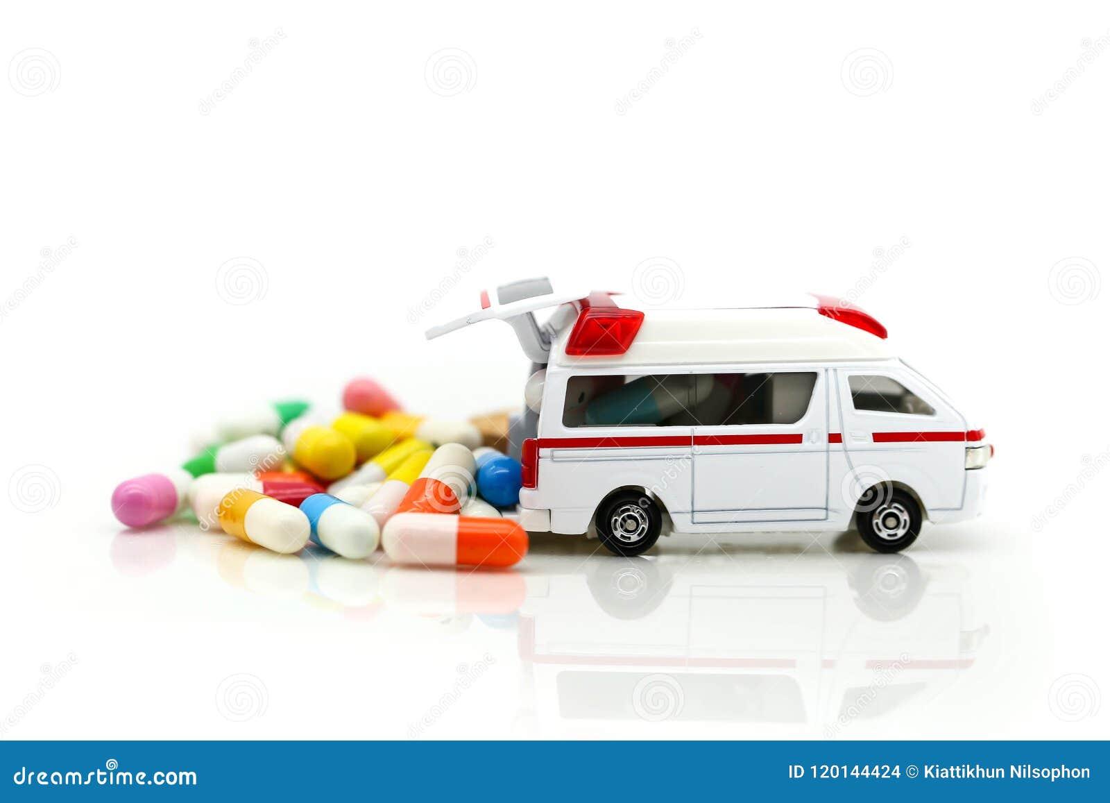 Ziekenwagen met capsuledrug, de gezondheidszorg van de Geneeskundeziekenwagen concep