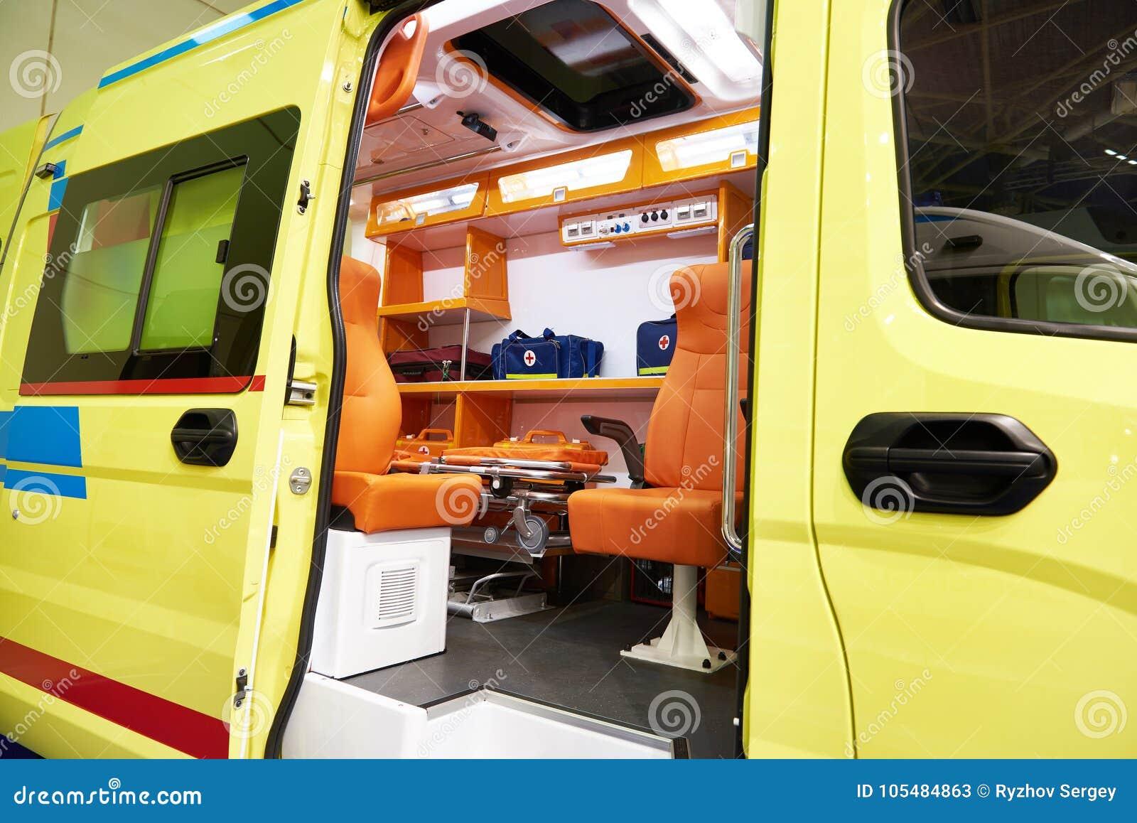 Ziekenwagen met medische apparatuur