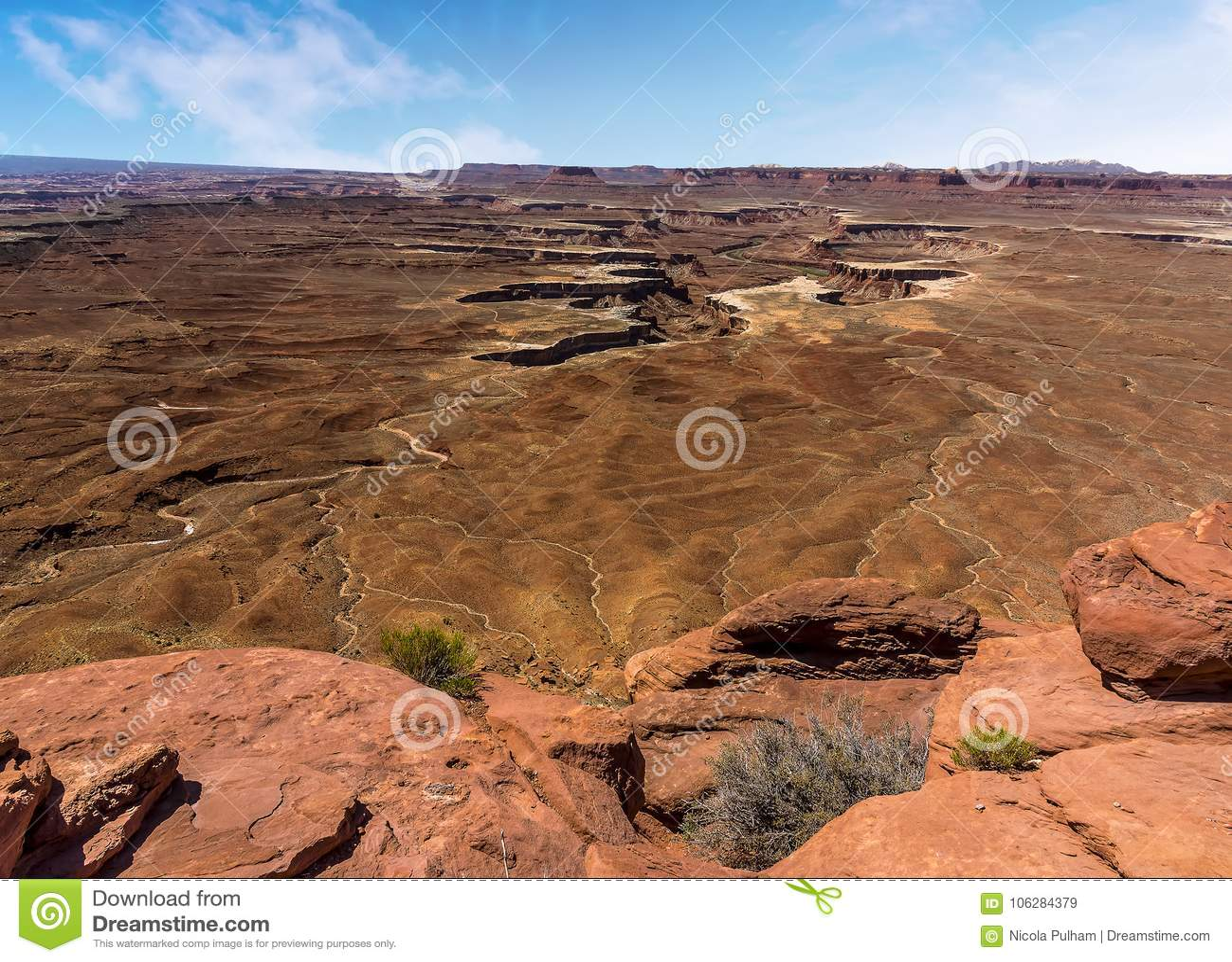 Zielona rzeka przegapia w Canyonlands parku narodowym