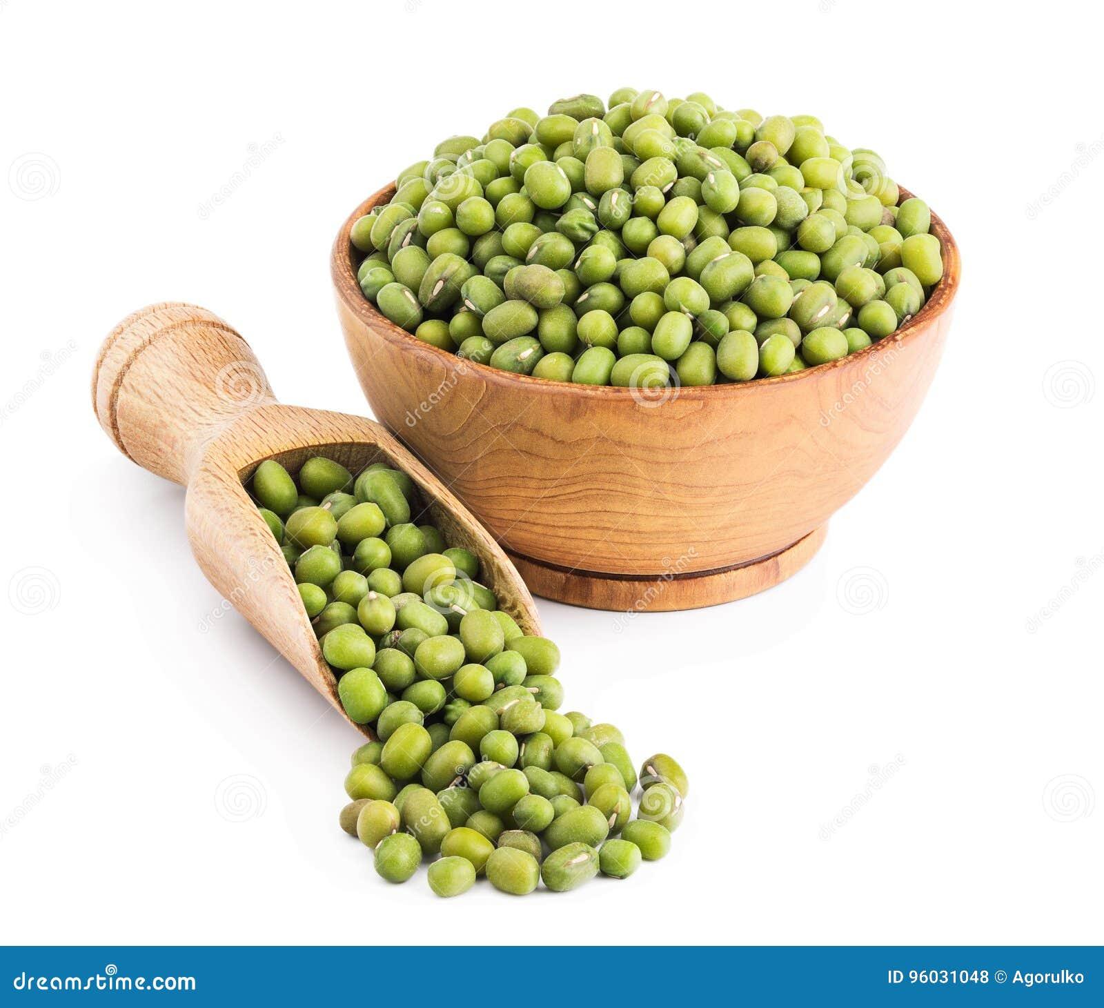 Zielone Mung fasole na bielu