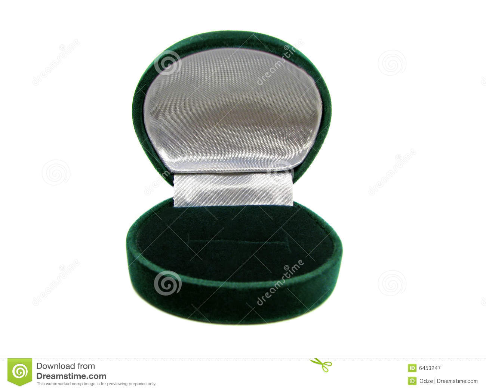 Zielone pudełko pusty pierścionek