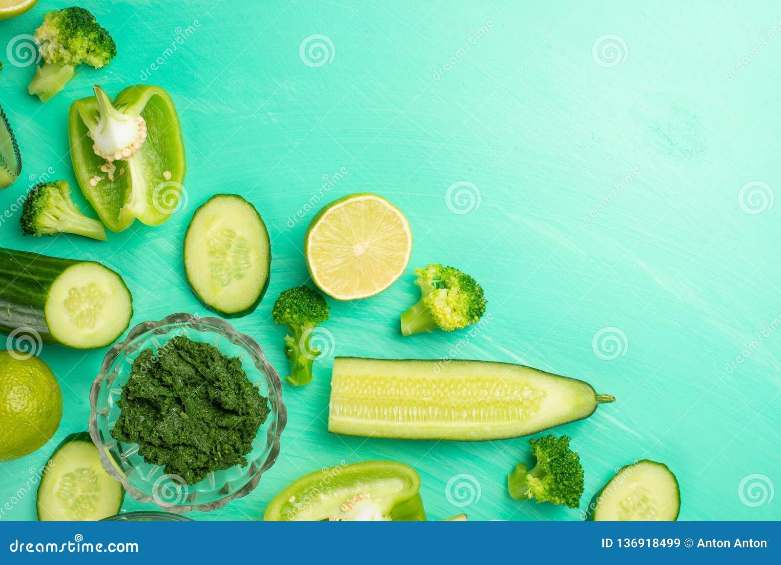 Zielone warzywa Dla gotować zdrowego i zdrowotnego jedzenie Zdrowego zielonego weganinu kulinarni składniki Sztandar dla projekta