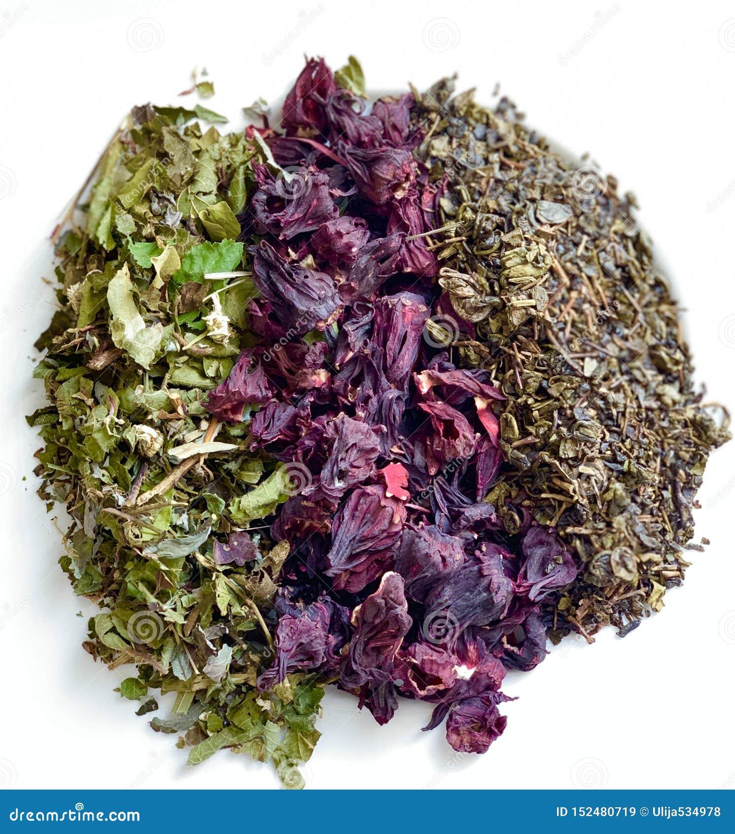 Zielonej herbaty czerń, kwiaty poślubnik Piękna kombinacja kwiaty na białym tle