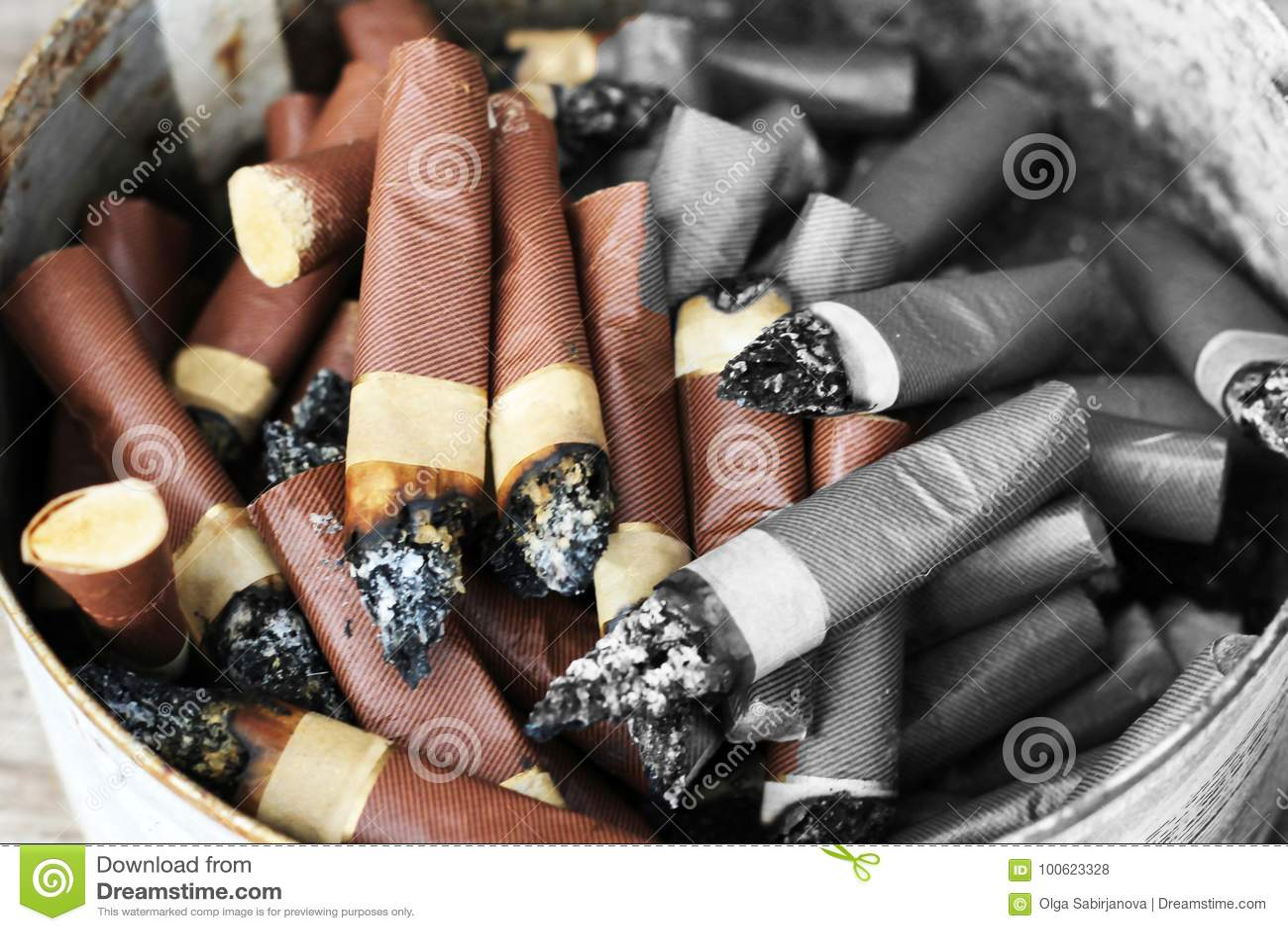 zigarettenkippen gestapelt der schaden zur gesundheit nikotin stockfoto bild von haufen. Black Bedroom Furniture Sets. Home Design Ideas