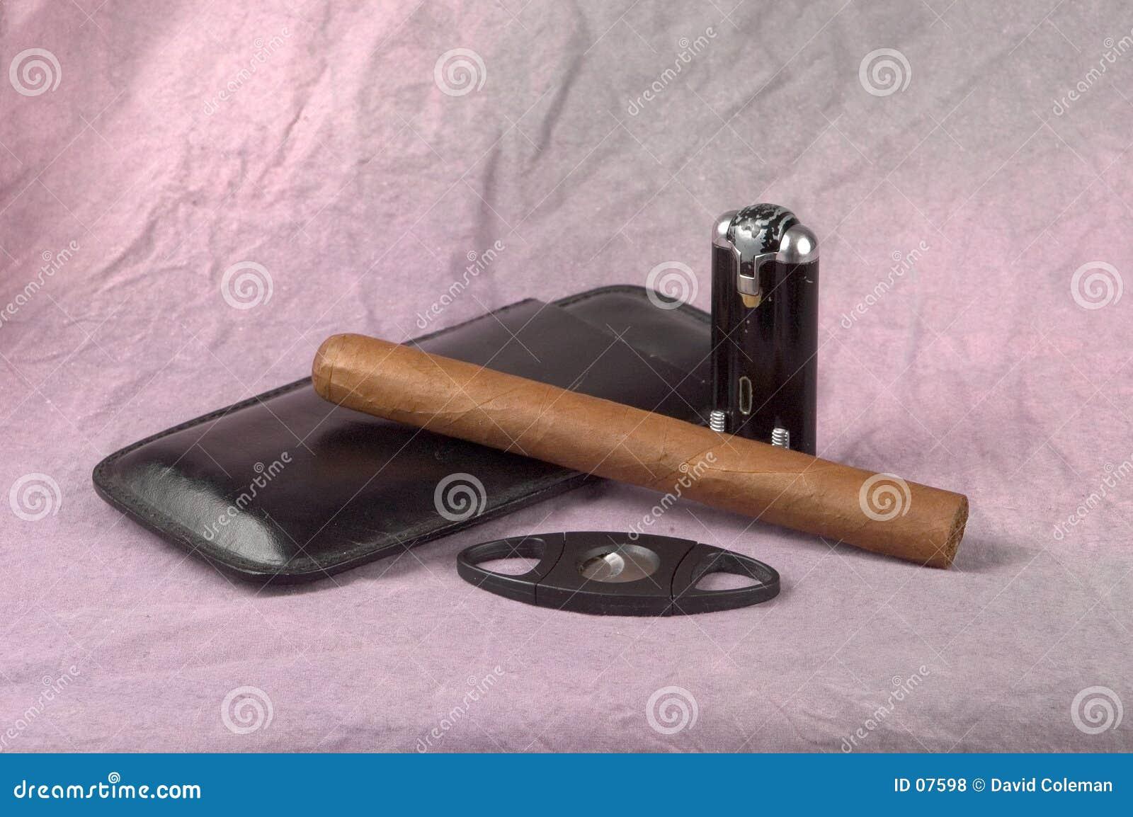 Zigarre und Hilfsmittel