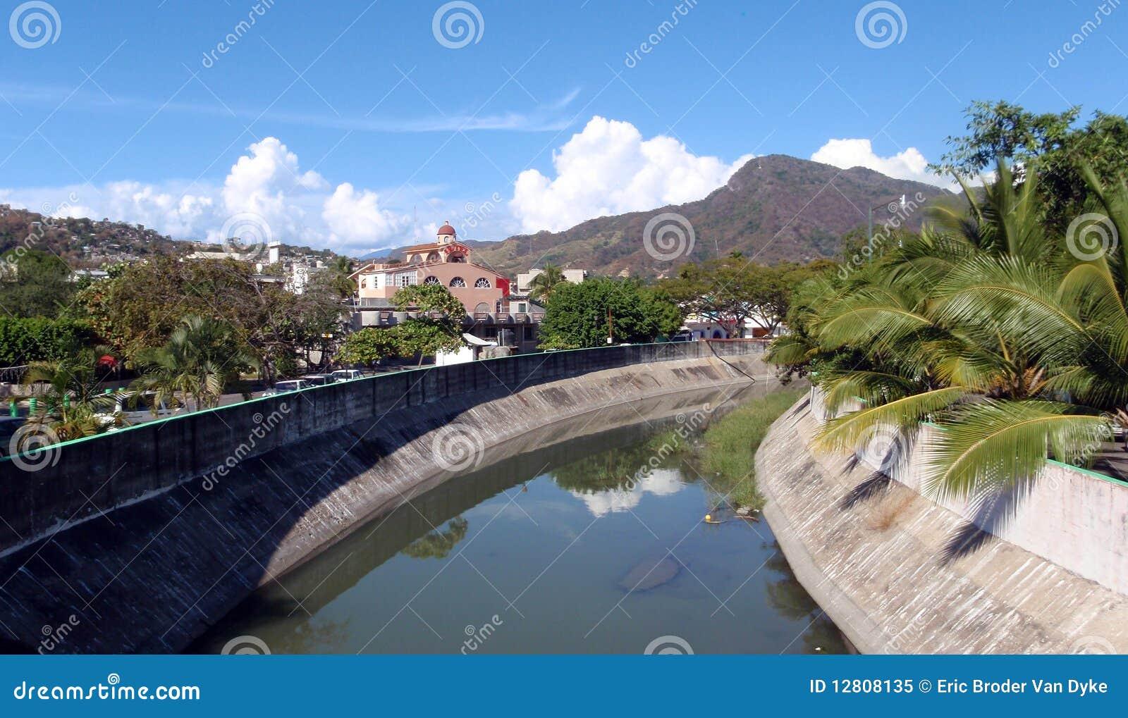 Zihuatanejo - olhando para fora para a cidade