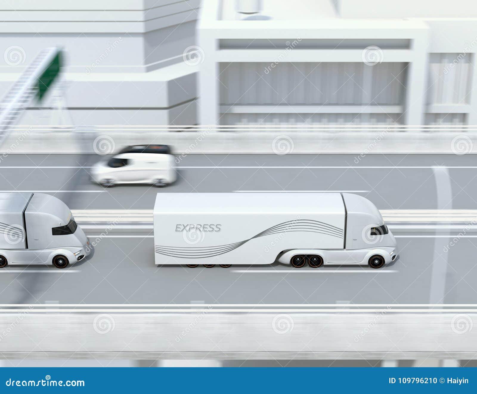 Zijaanzicht van een vloot van zelf-drijft elektrische semi vrachtwagens die op weg drijven