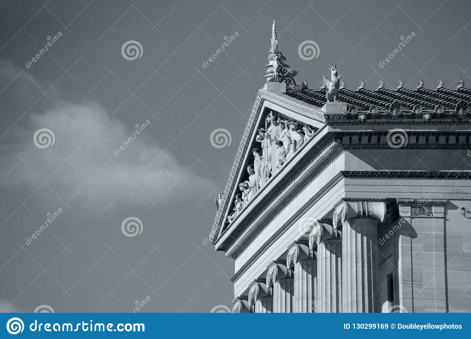 Zijaanzicht van het Museum van Philadelphia van Kunst in Zwart-wit