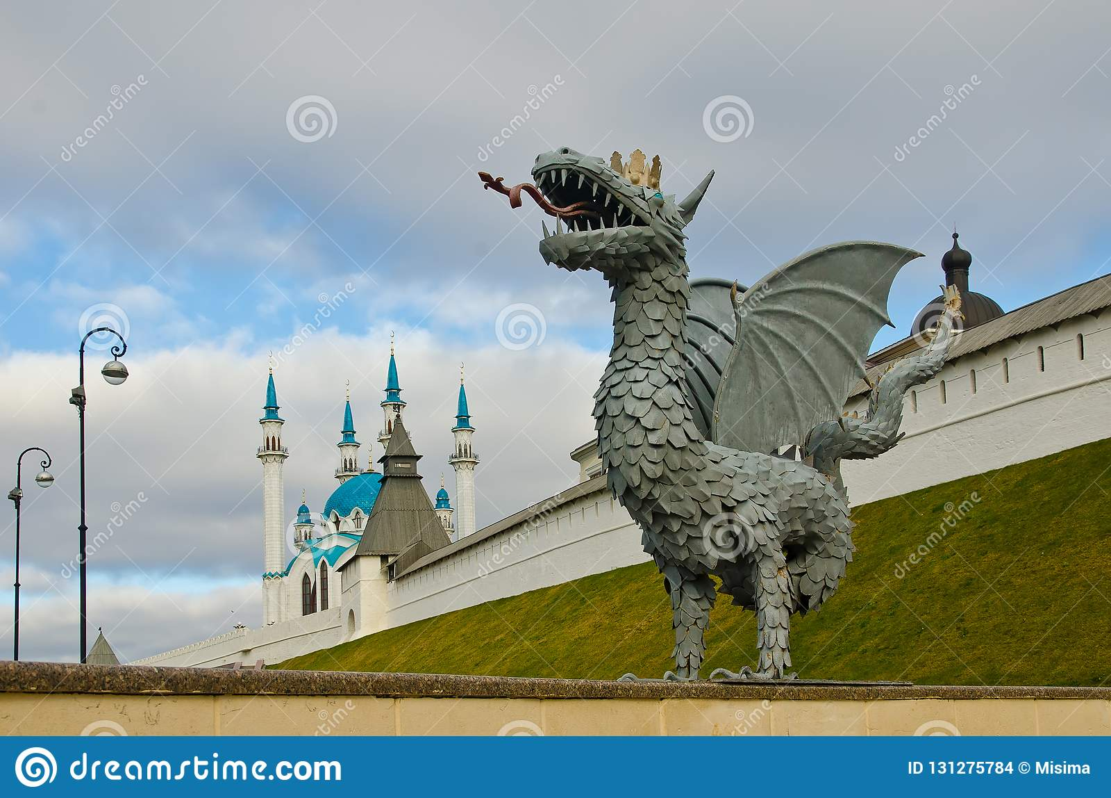 Zilant è il simbolo di Kazan vicino al Kul Sharif Mosque