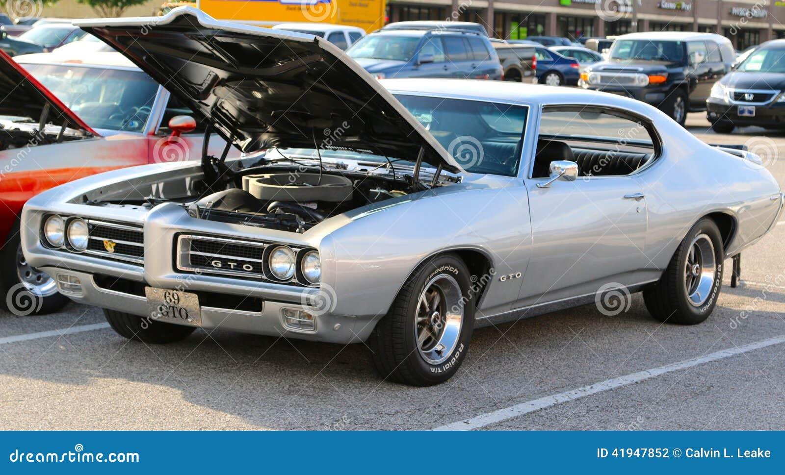 1969 Zilveren Pontiac GTO