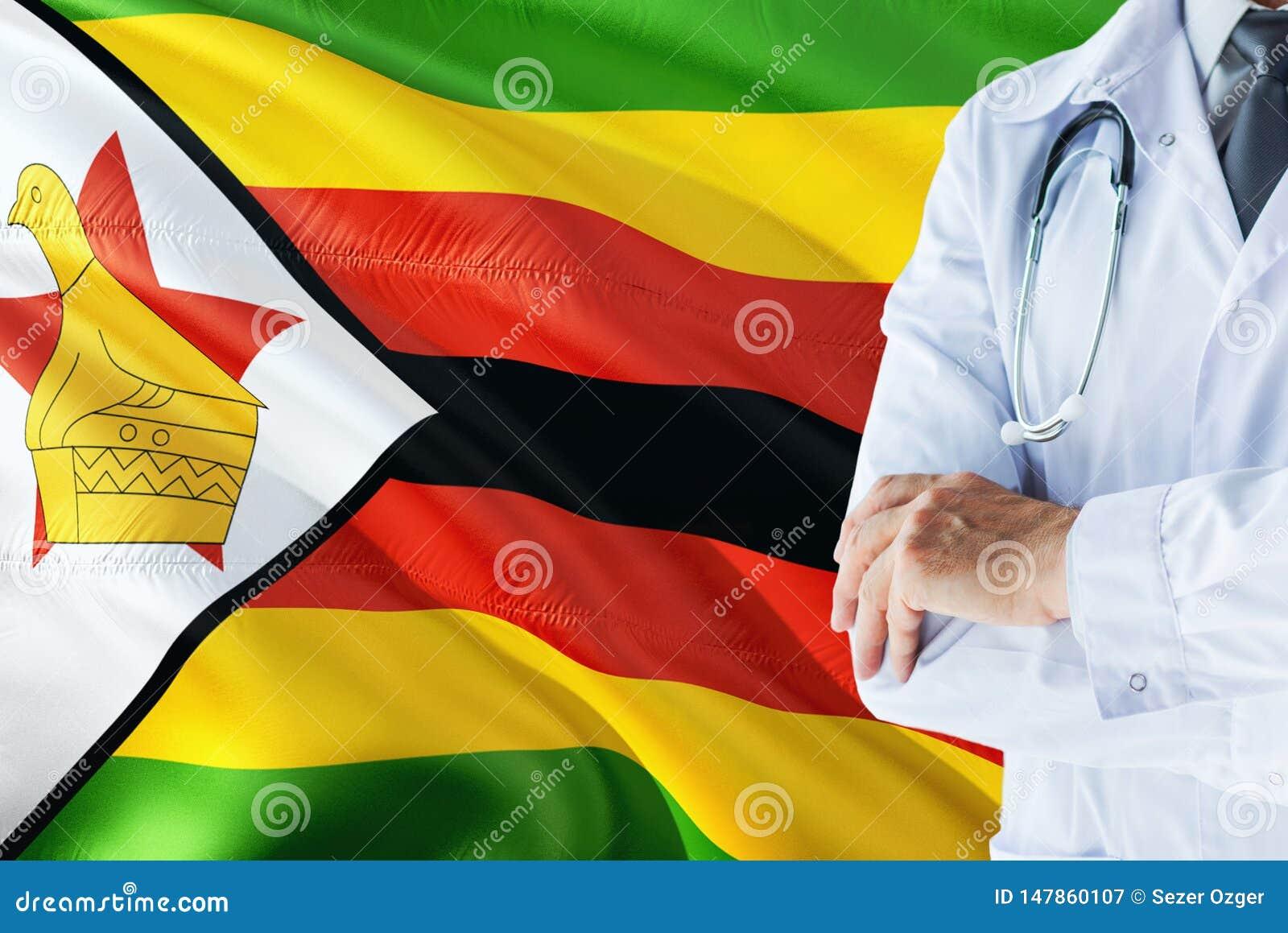 Zimbabwiskt doktorsanseende med stetoskopet på Zimbabwe flaggabakgrund Nationellt v?rdsystembegrepp, medicinskt tema