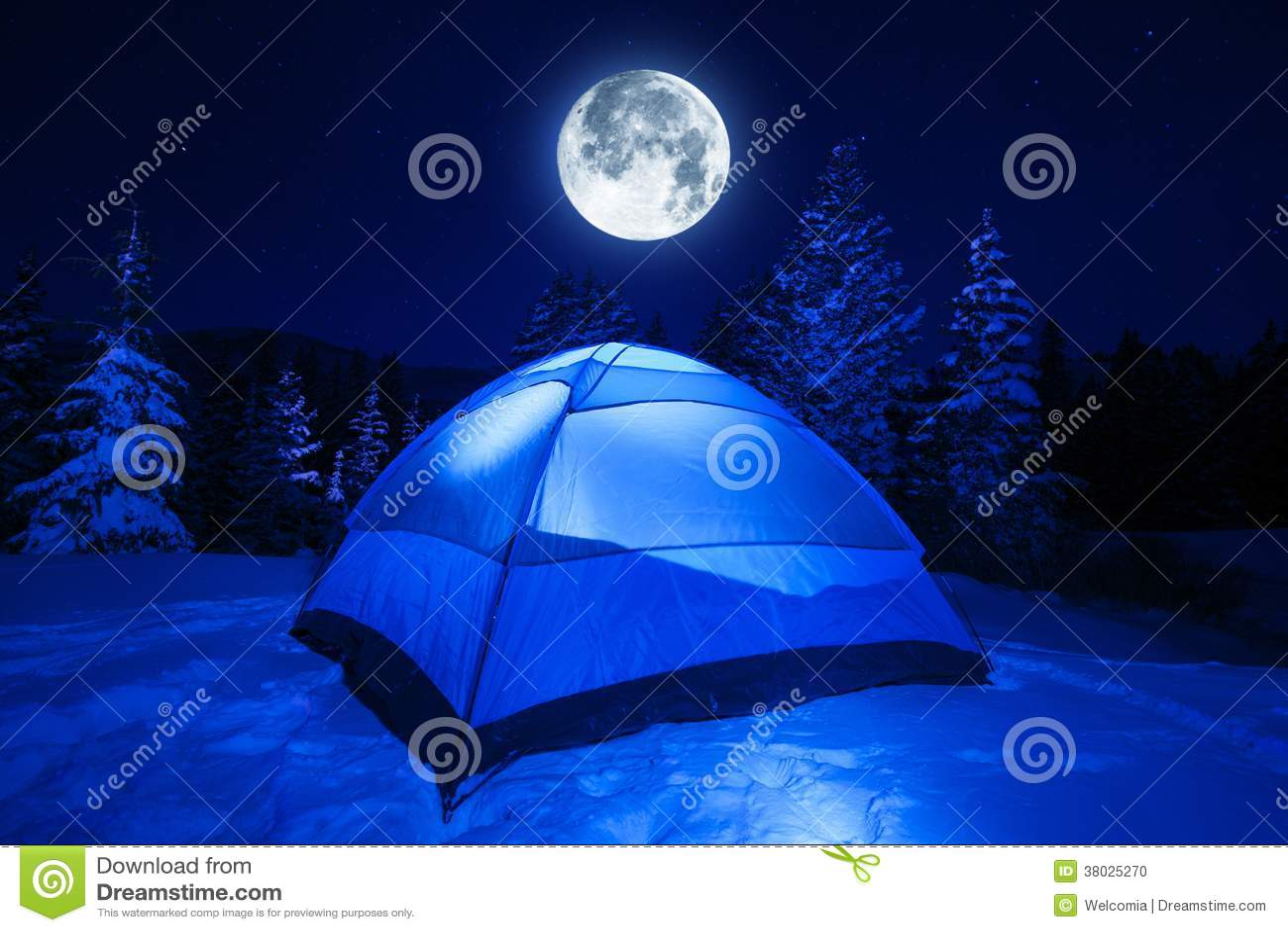 Zimy nocy obóz