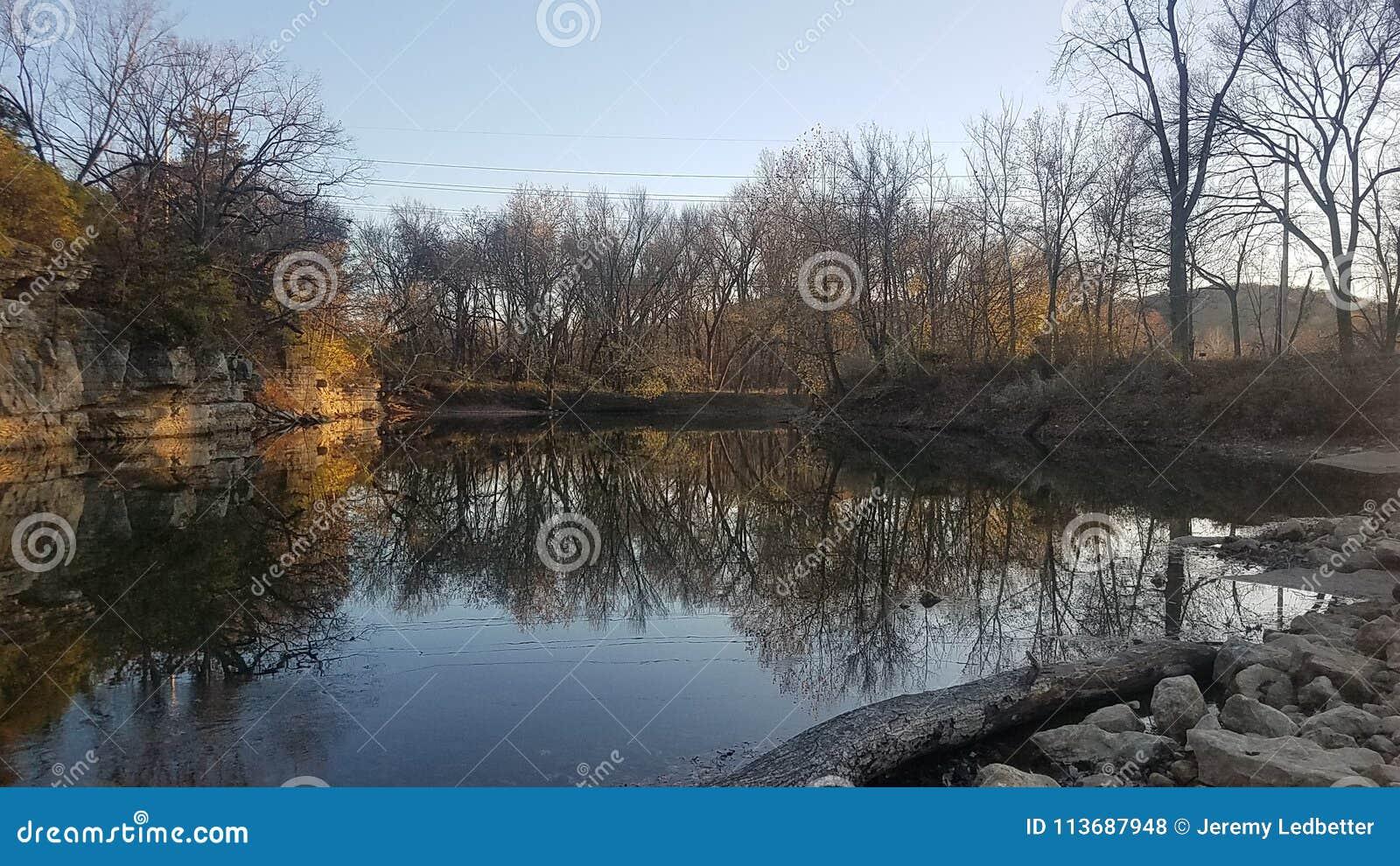 Zimy rzeki sceny