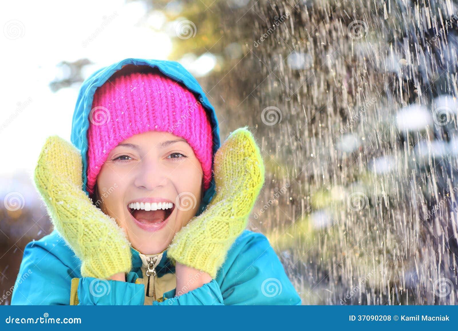 Download Zimy zabawa zdjęcie stock. Obraz złożonej z dorosły, szczęście - 37090208