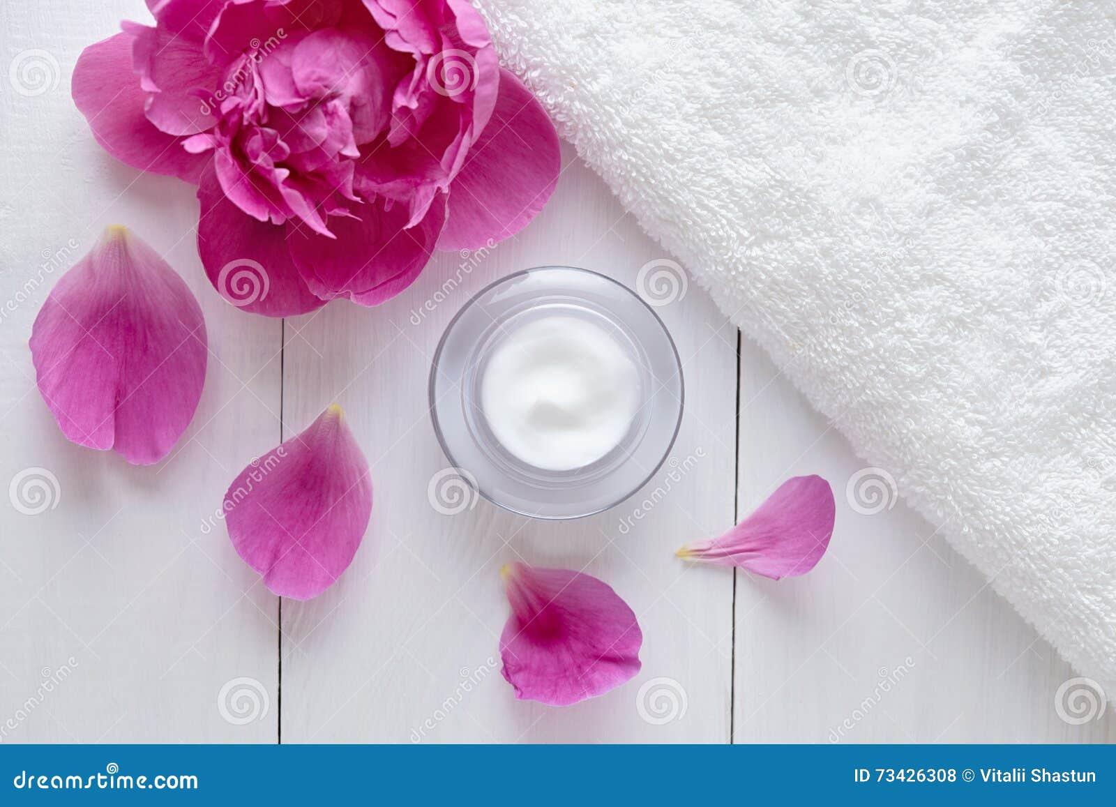 Ziołowa kosmetyczna trądzik śmietanka z kwiat witaminy skincare organicznie moisturizer