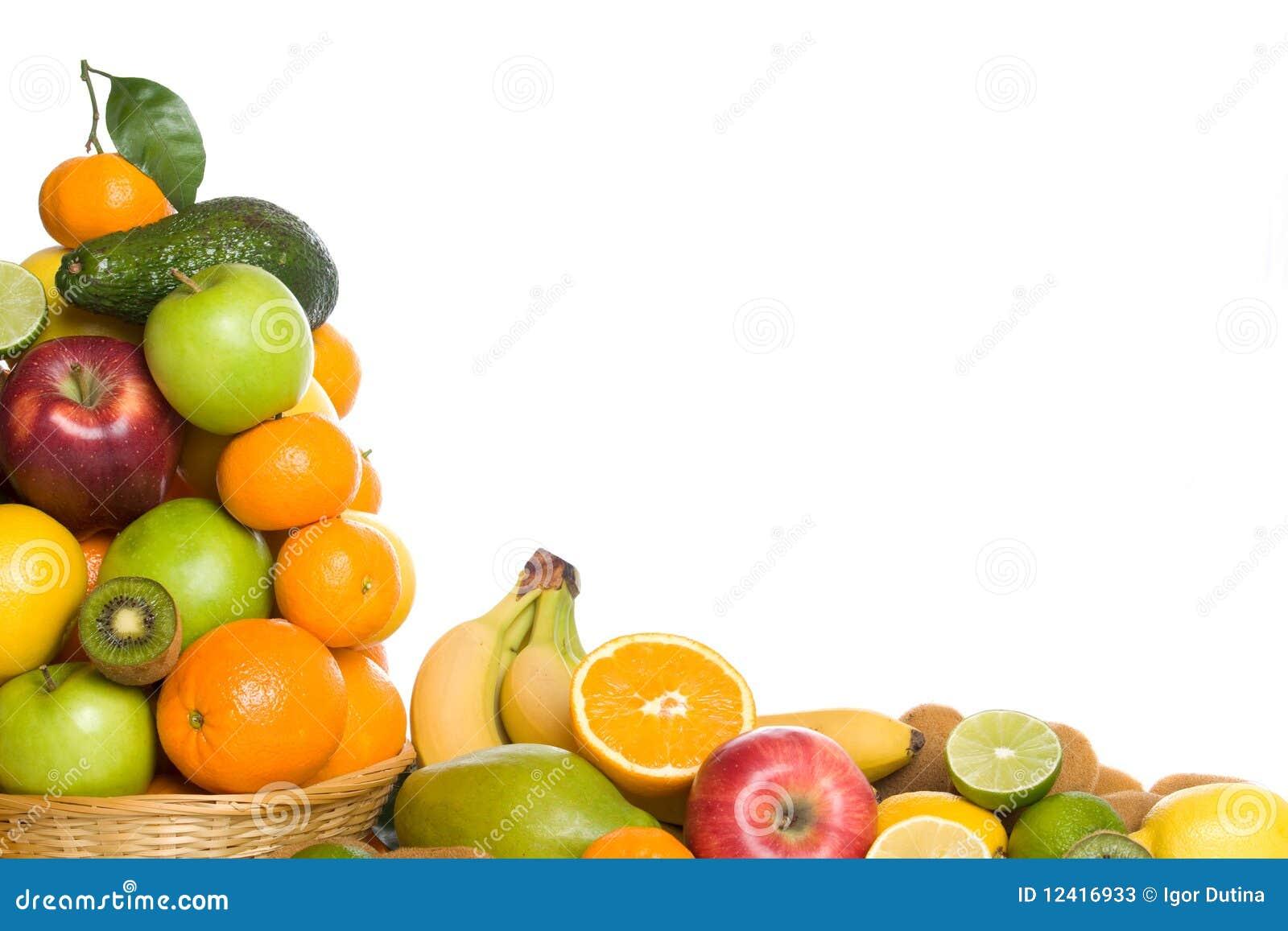 Zitrusfrucht und tropische Frucht auf weißem Hintergrund