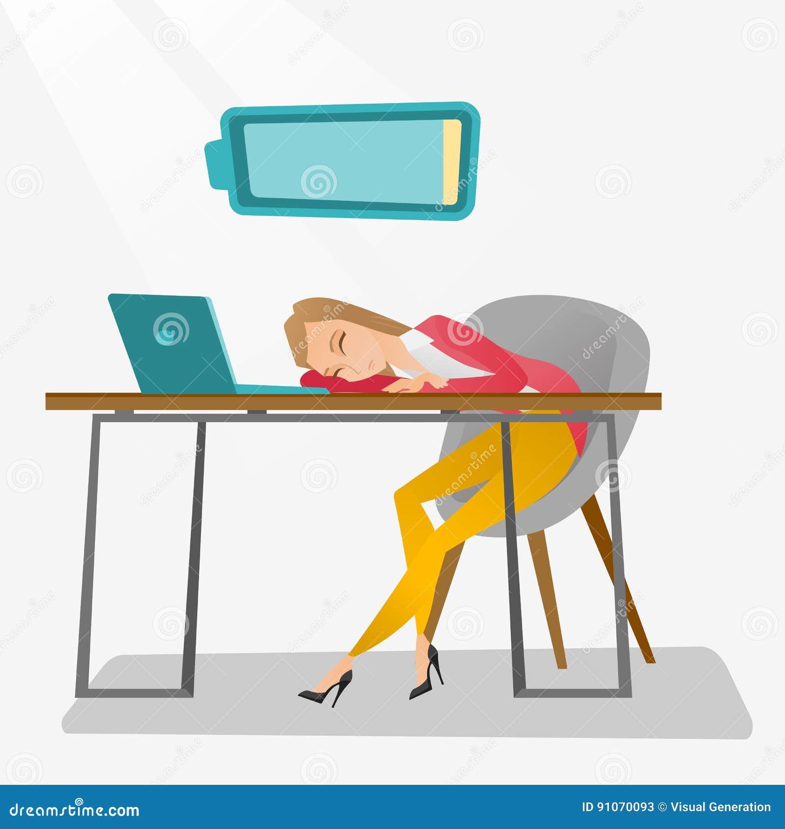 Zmęczony pracownika dosypianie przy miejscem pracy
