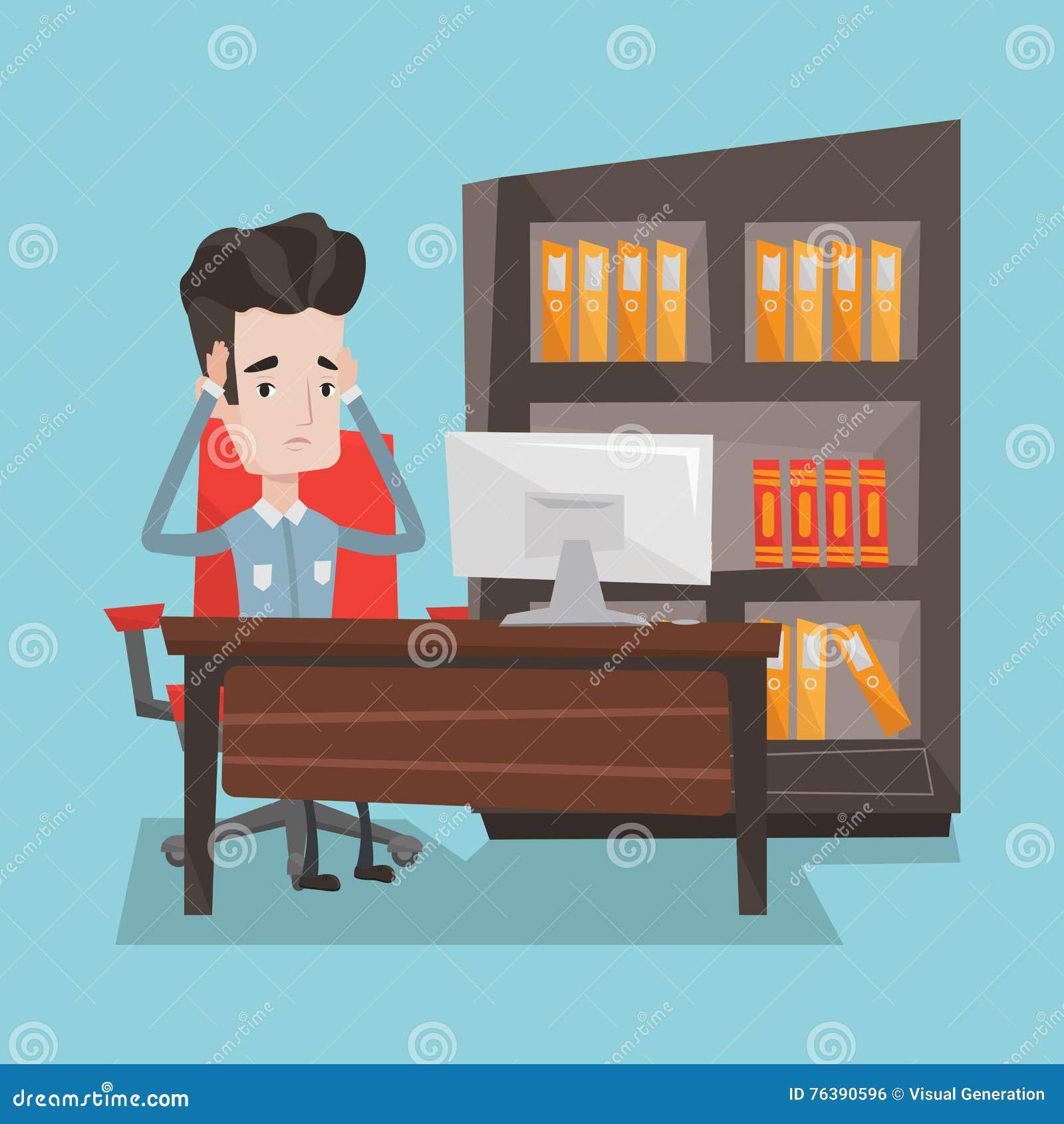 Zmęczony pracownika obsiadanie w biurze