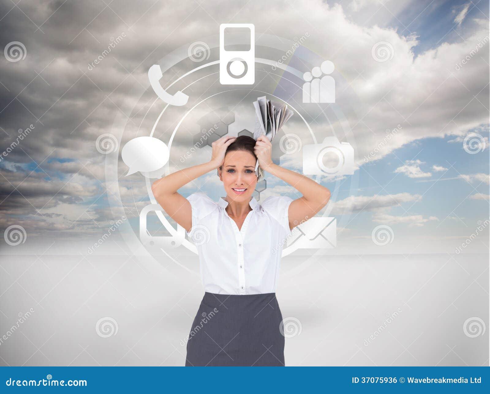 Download Zmartwiona Elegancka Bizneswomanu Mienia Gazeta Ilustracji - Ilustracja złożonej z pogodny, spódnica: 37075936