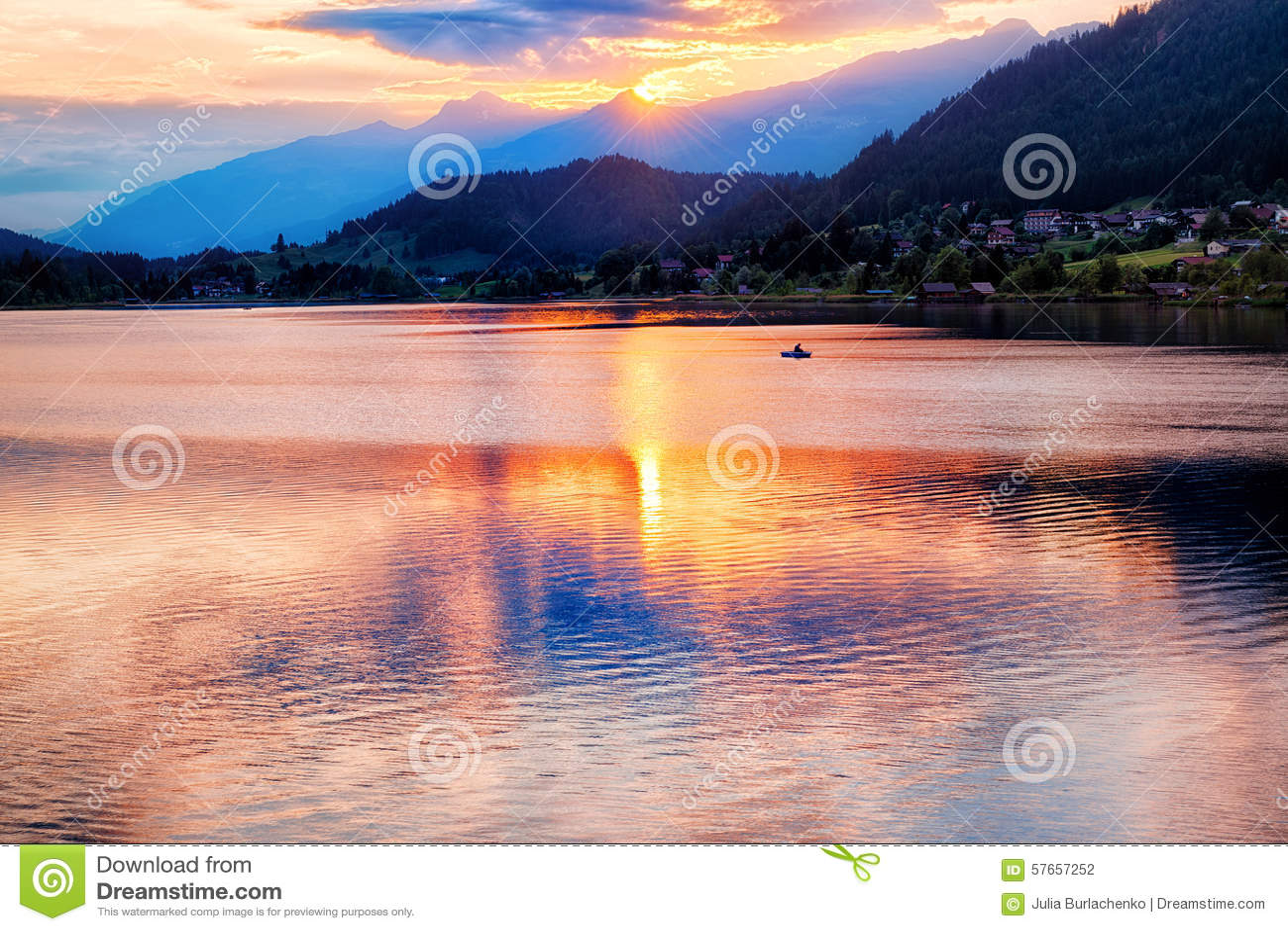 Zmierzch na jeziorze