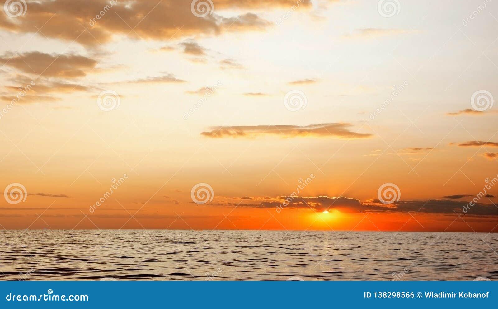 Zmierzch na morzu