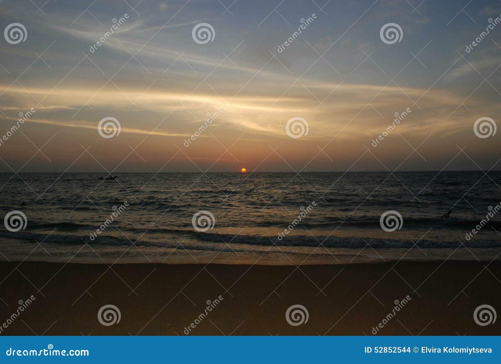 Zmierzch przy morzem, ocean