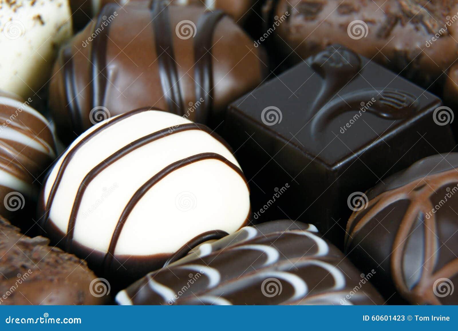 Zmrok, mleko i białe czekolady,