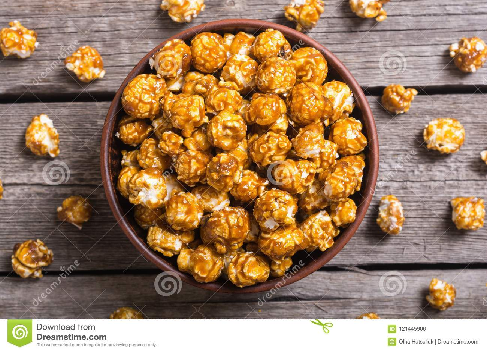 Zoete karamelpopcorn