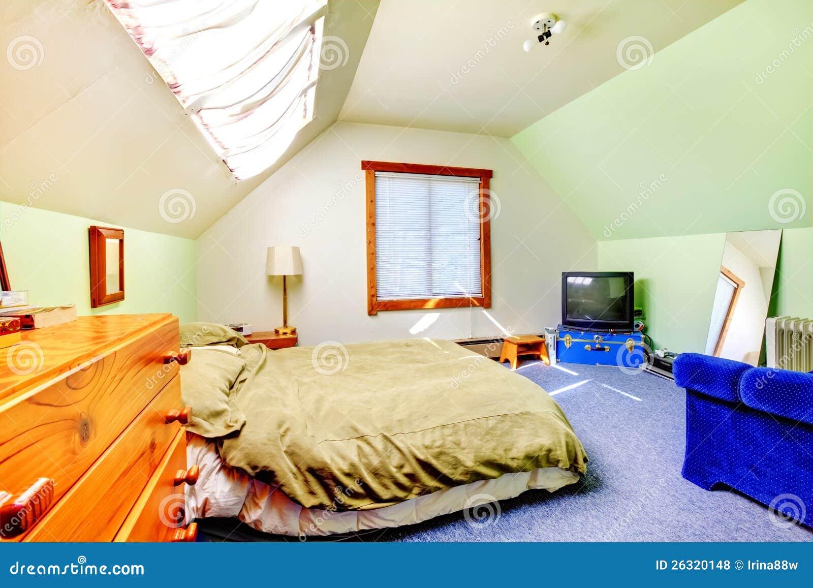 Zolder grote heldere eenvoudige slaapkamer royalty vrije for 3d planner zolder