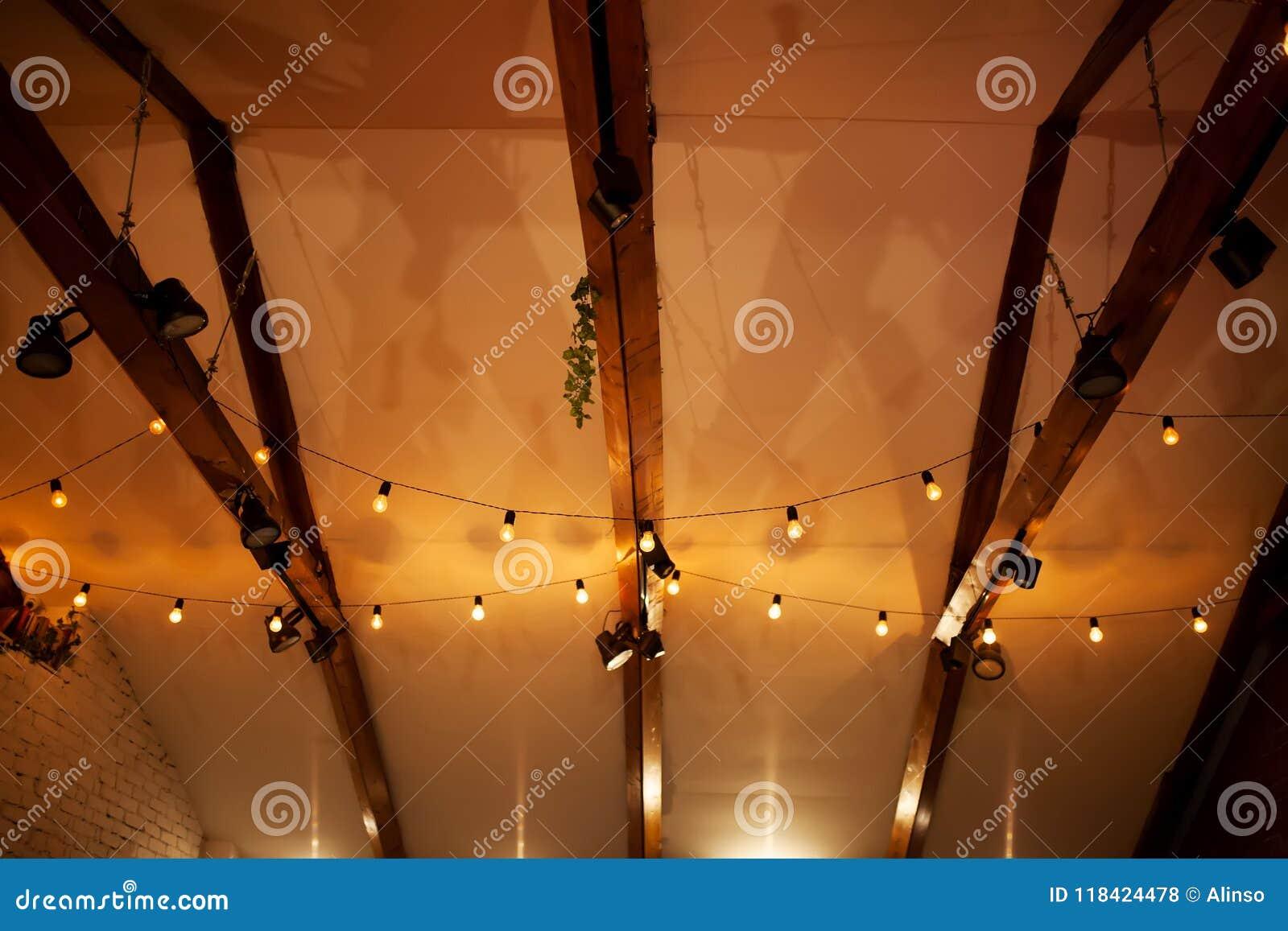 Zolderbinnenland, plafond witn laterns
