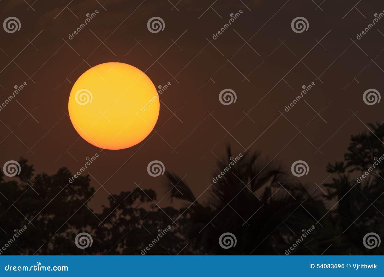 Zon bij zonsondergang