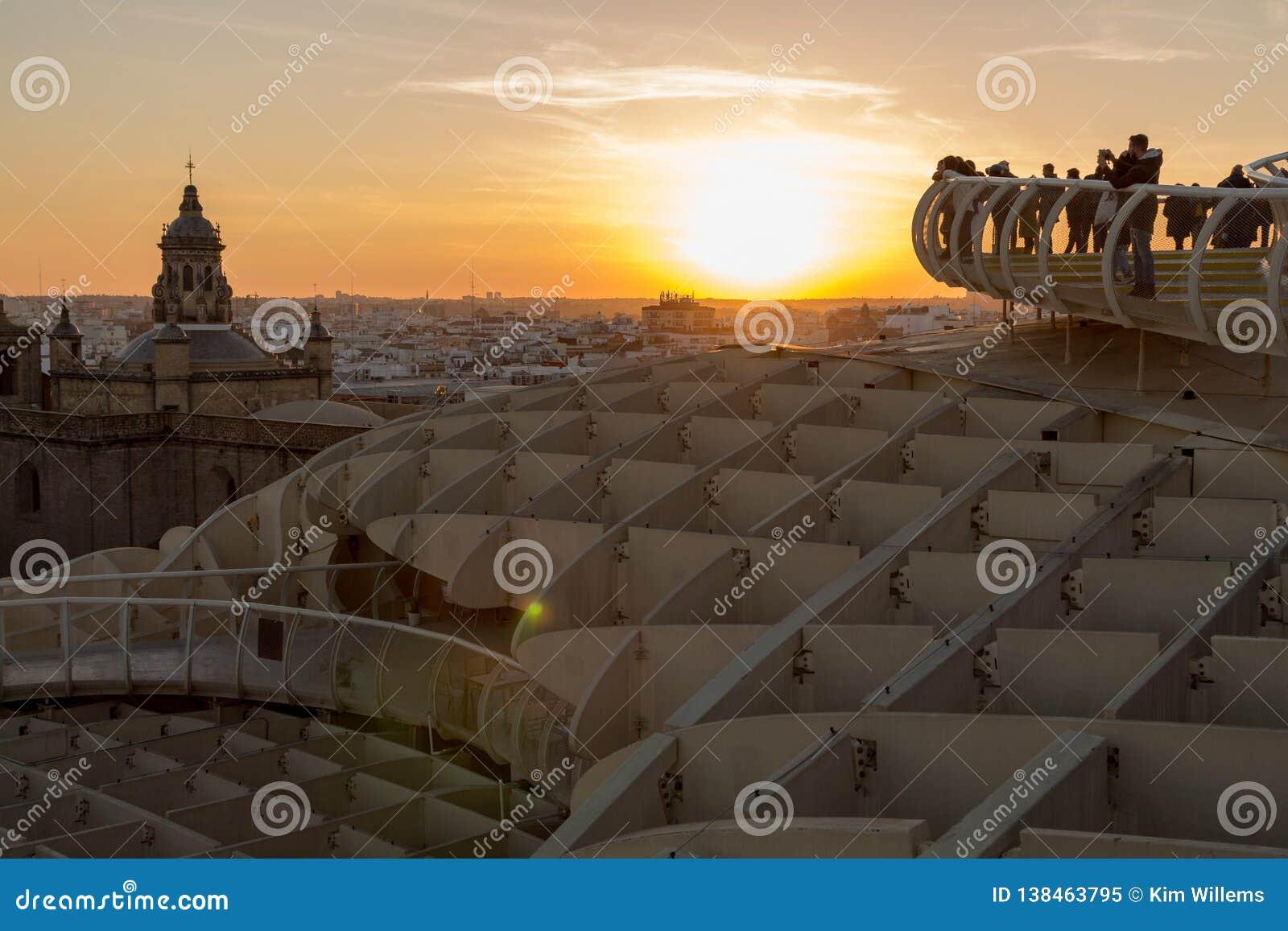 Zon op brand tijdens gouden uur in Sevilla