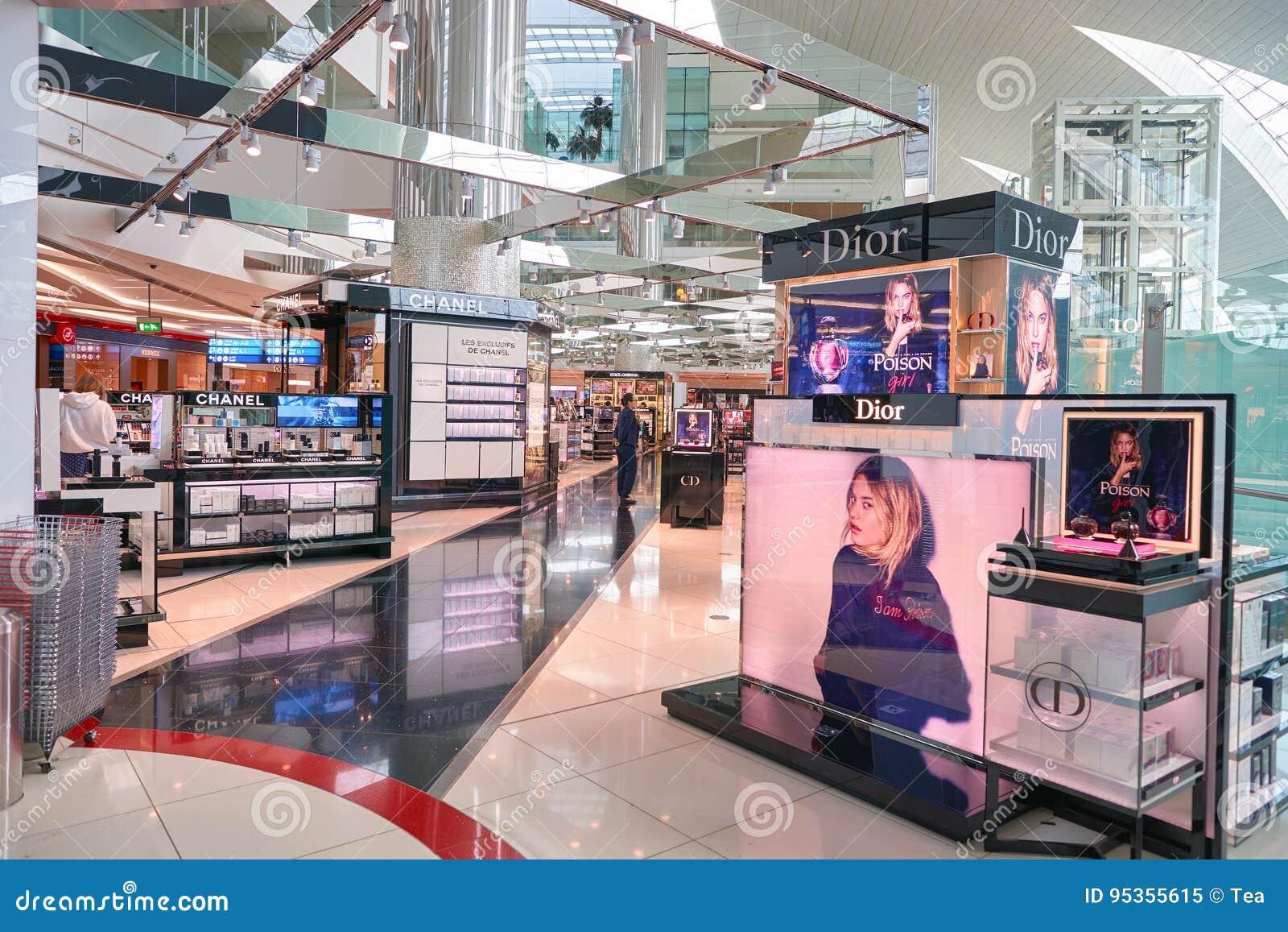 Zona Con Franquicia Del Aeropuerto De Dubai International Imagen ...