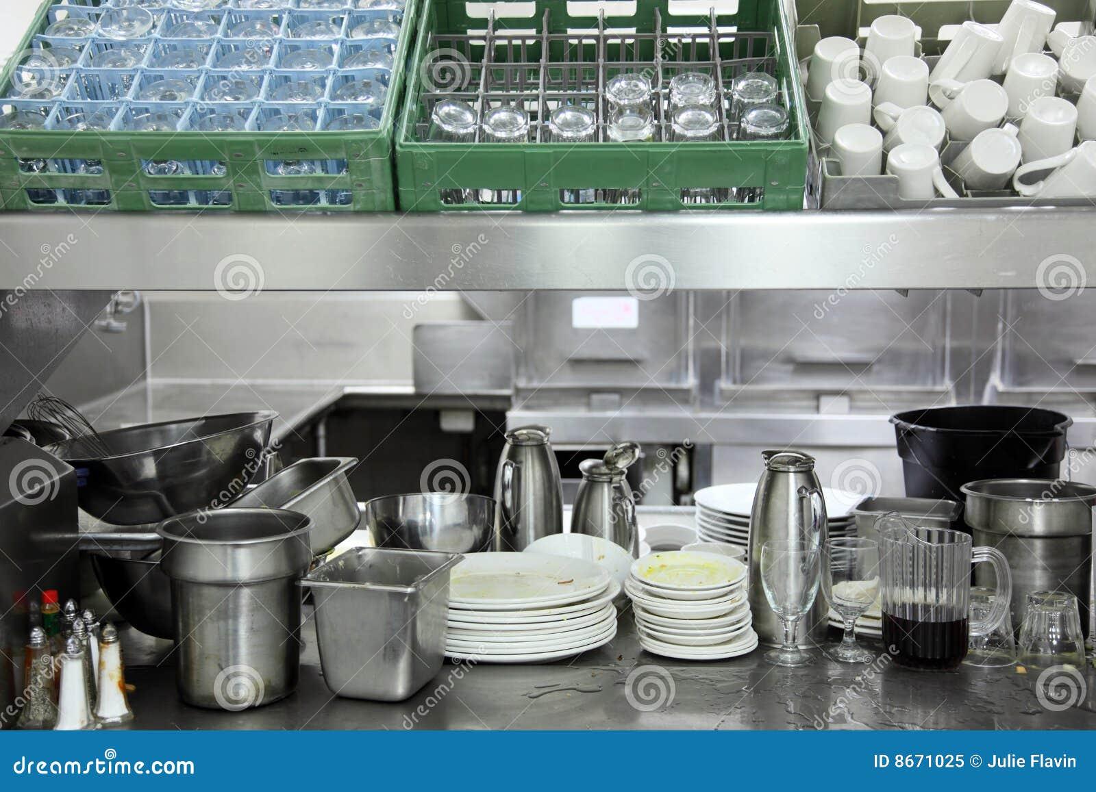 Zone de vaisselle de cuisine de restaurant photo libre de for Vaisselle de restaurant