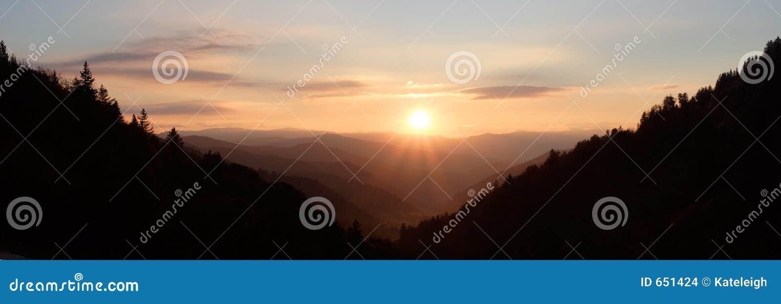 Zonneschijn over de Vallei van de Berg - panorama