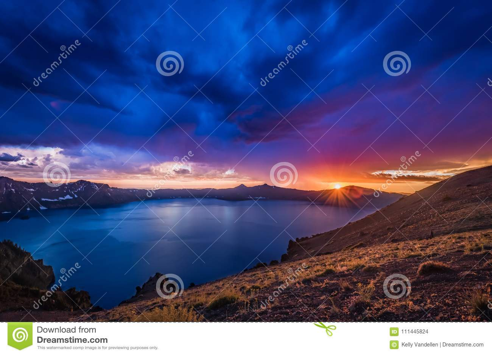 Zonnestraal over Kratermeer