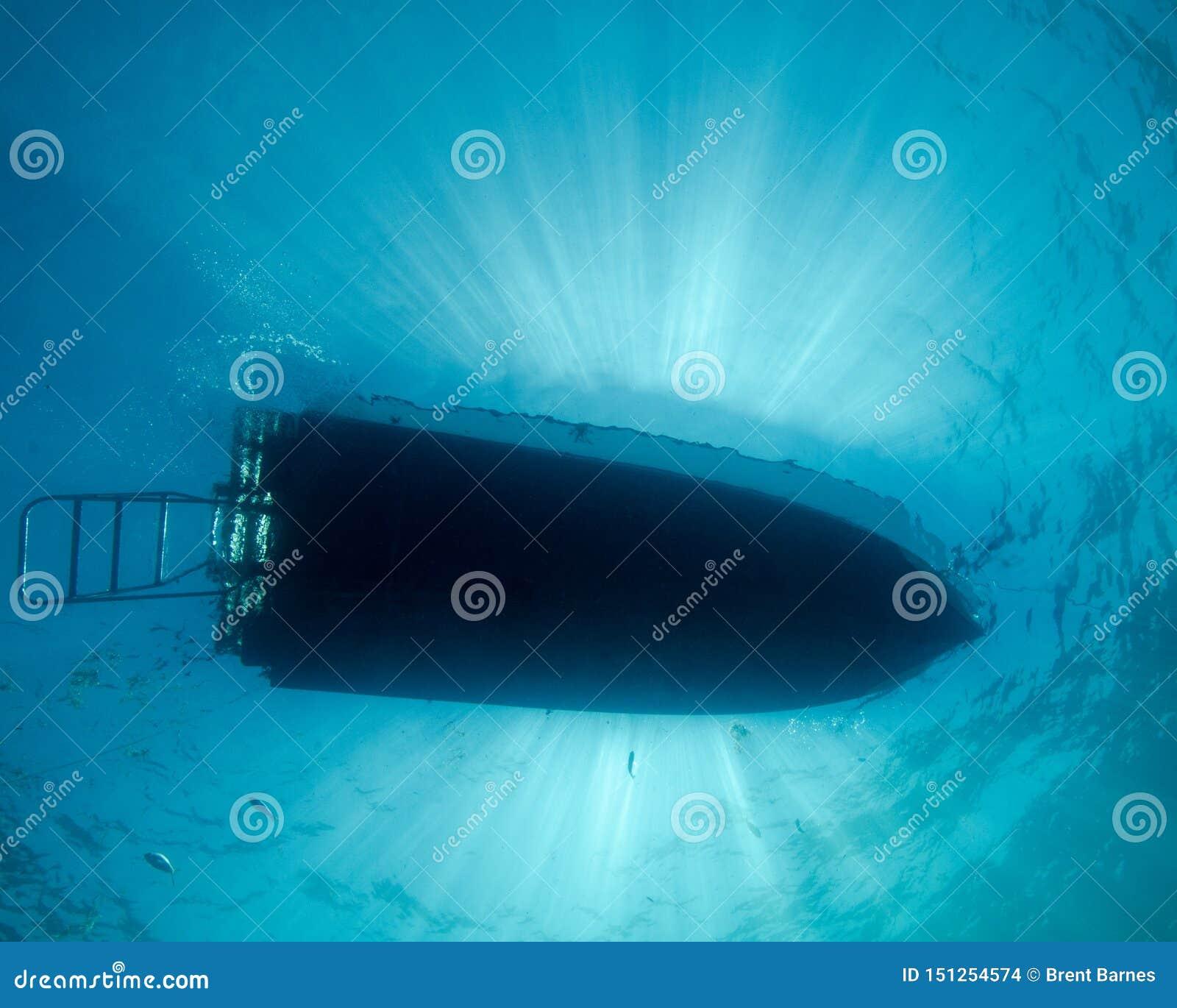 Zonnestralen over Dive Boat in Florida