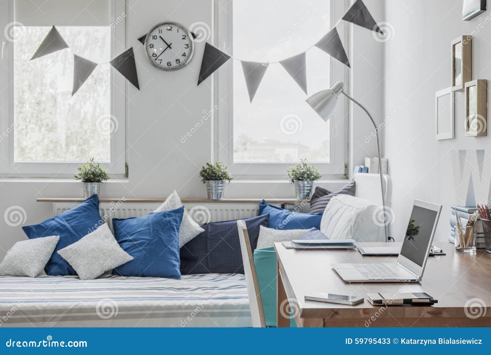 zonnige slaapkamer voor jongen