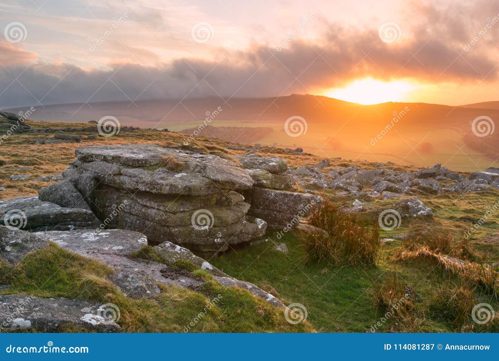 Zonsondergang Belstone Tor Dartmoor Devon Uk