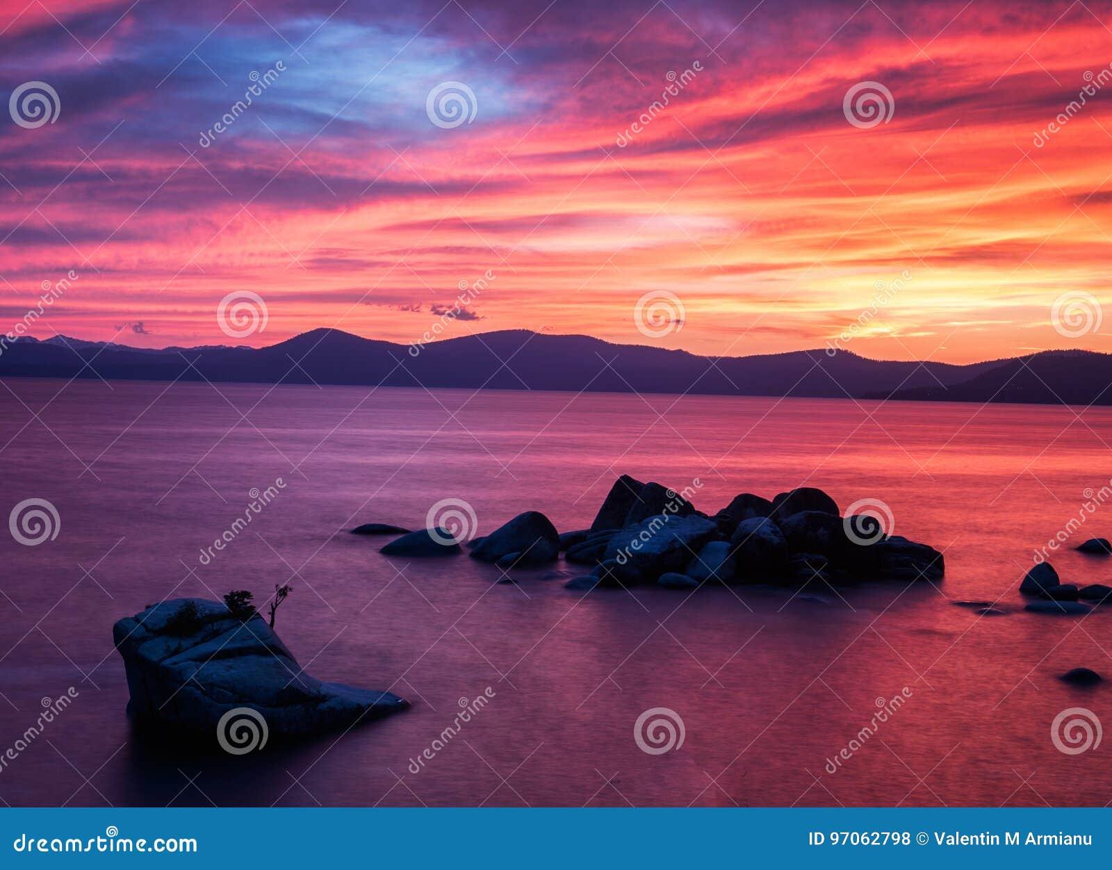 Zonsondergang bij Bonsairots, Meer Tahoe