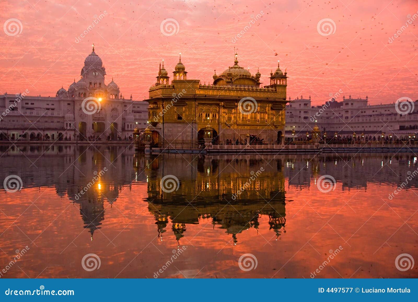 Zonsondergang bij Gouden Tempel.