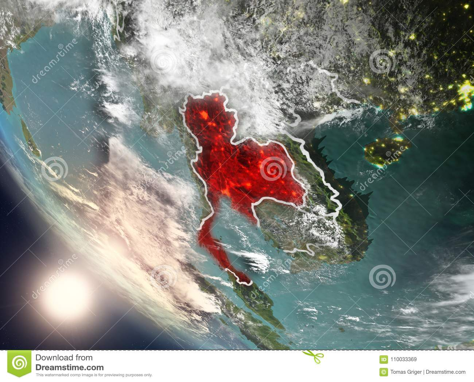 Zonsondergang boven Thailand van ruimte