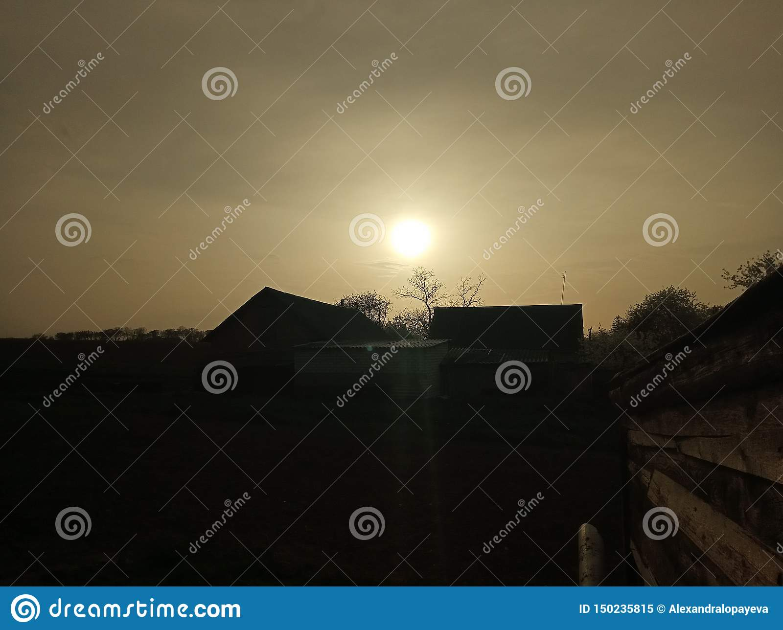 Zonsondergang in land