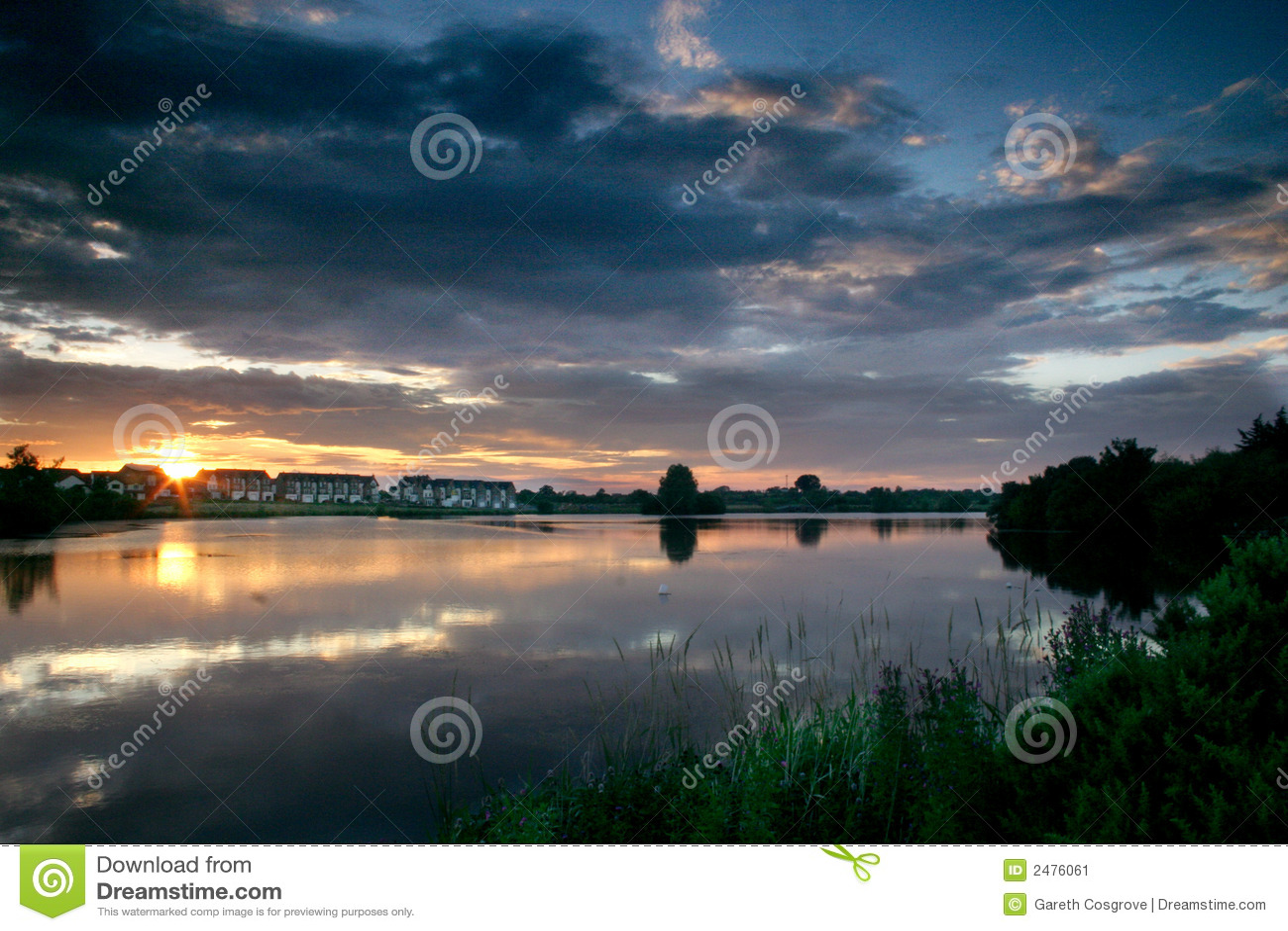 Zonsondergang op meer