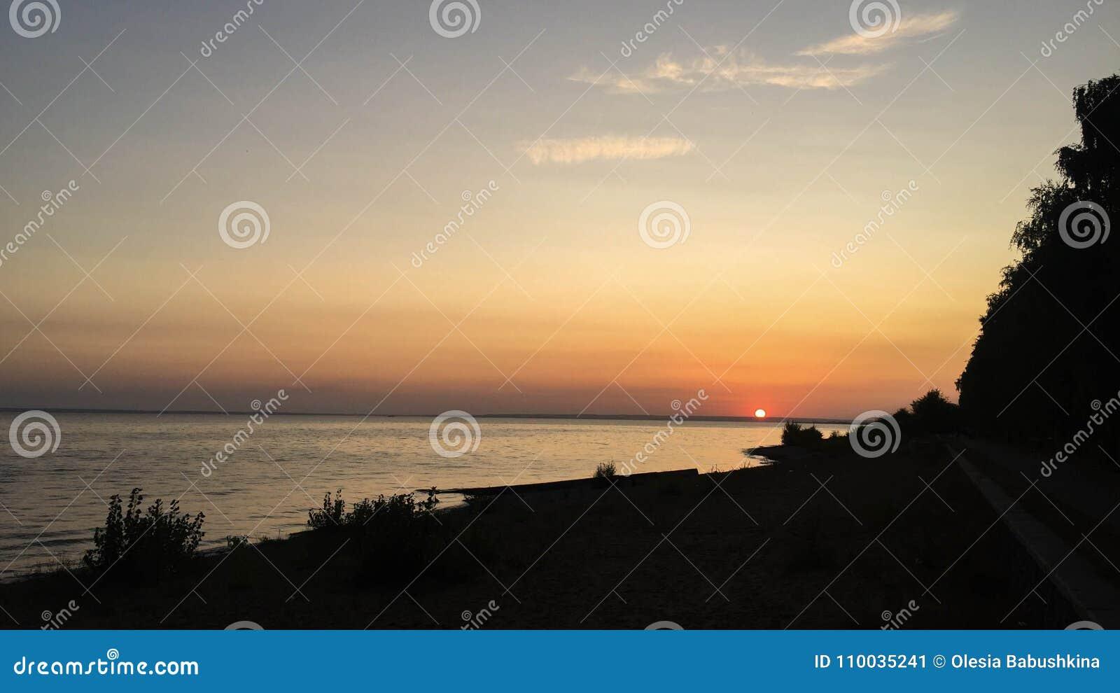 Zonsondergang op Volga
