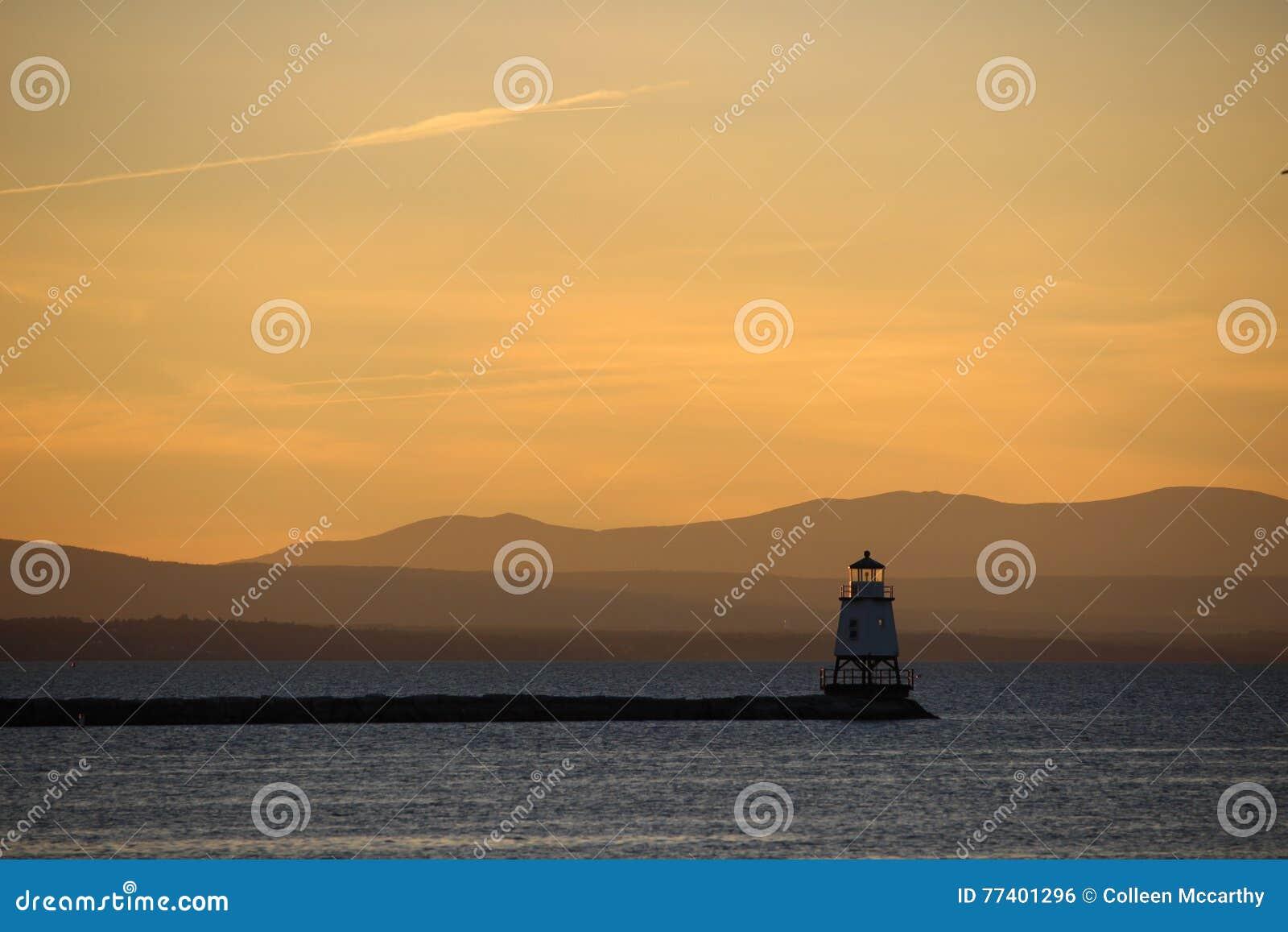 Zonsondergang over Meer Champlain