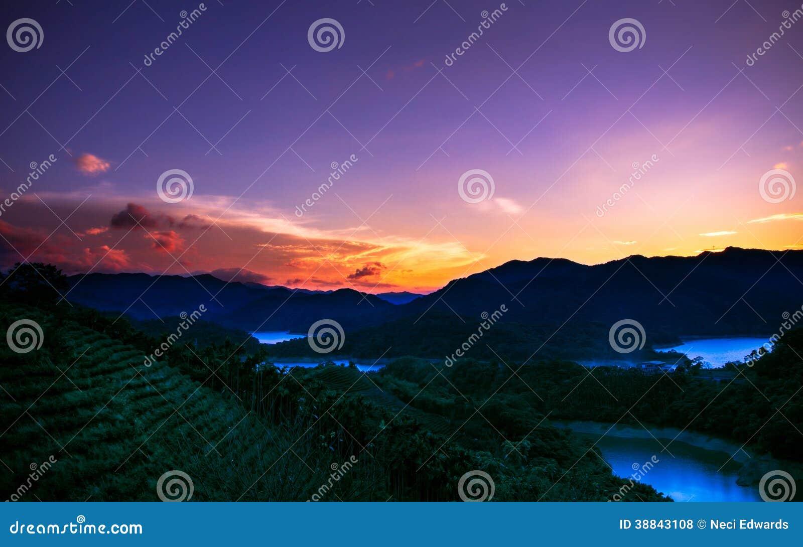 Zonsondergang in paradijs